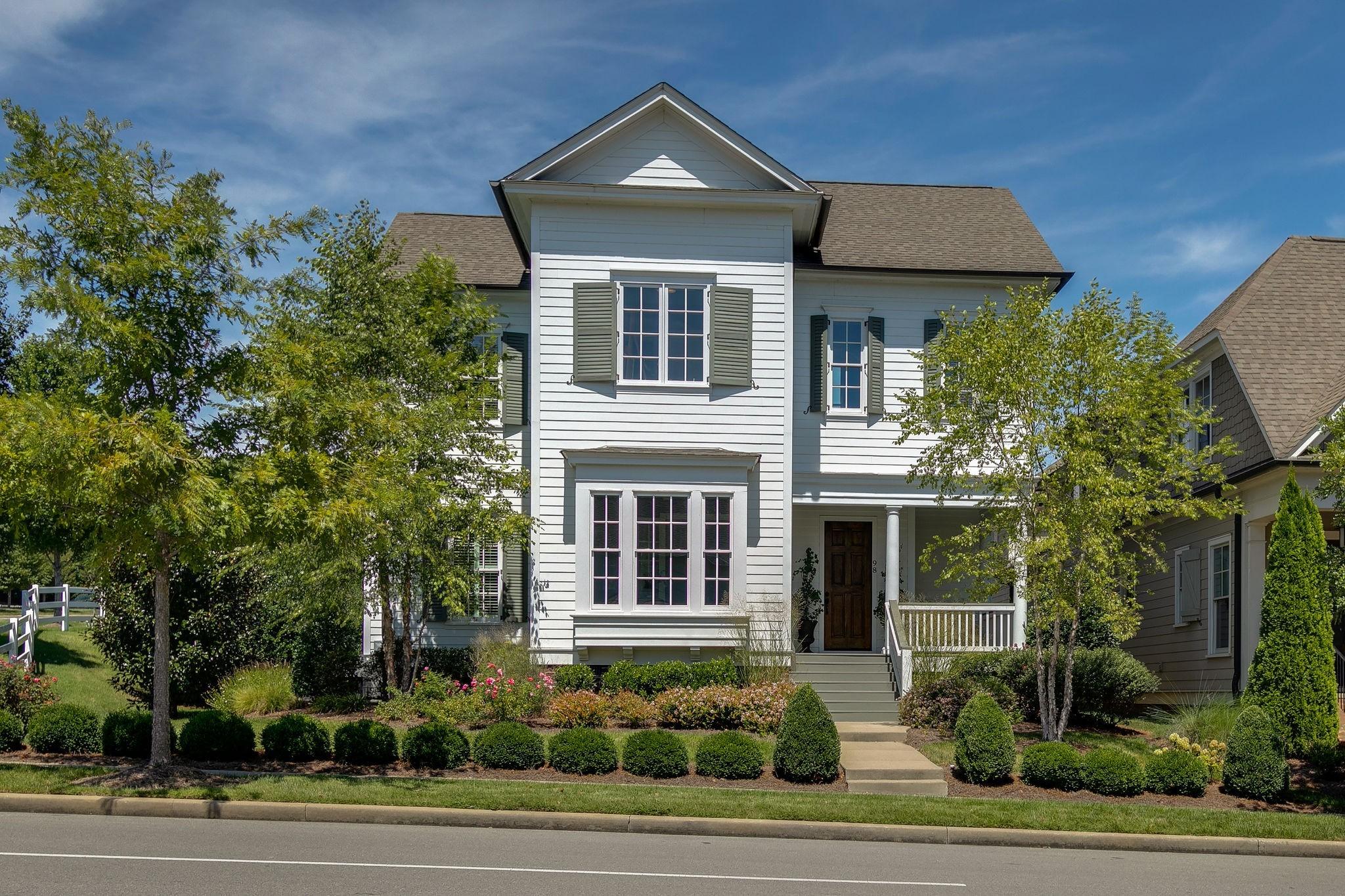 98 Poplar St Property Photo - Franklin, TN real estate listing