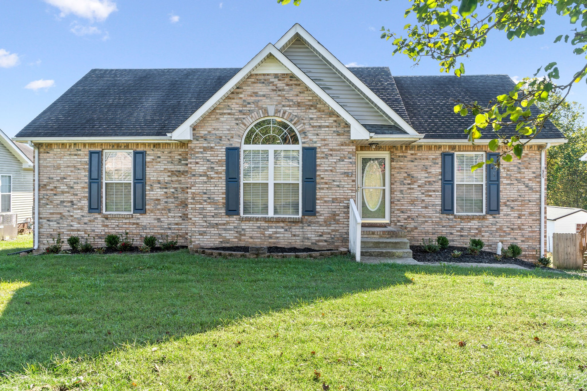 1732 Hazelwood Rd Property Photo - Clarksville, TN real estate listing