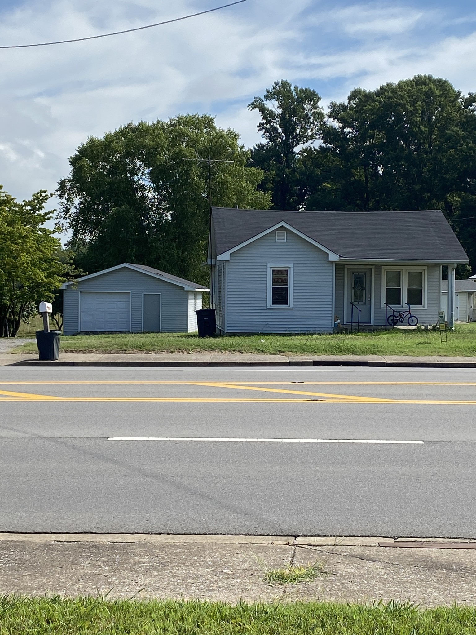 602 Highway 52 Byp W Property Photo - Lafayette, TN real estate listing