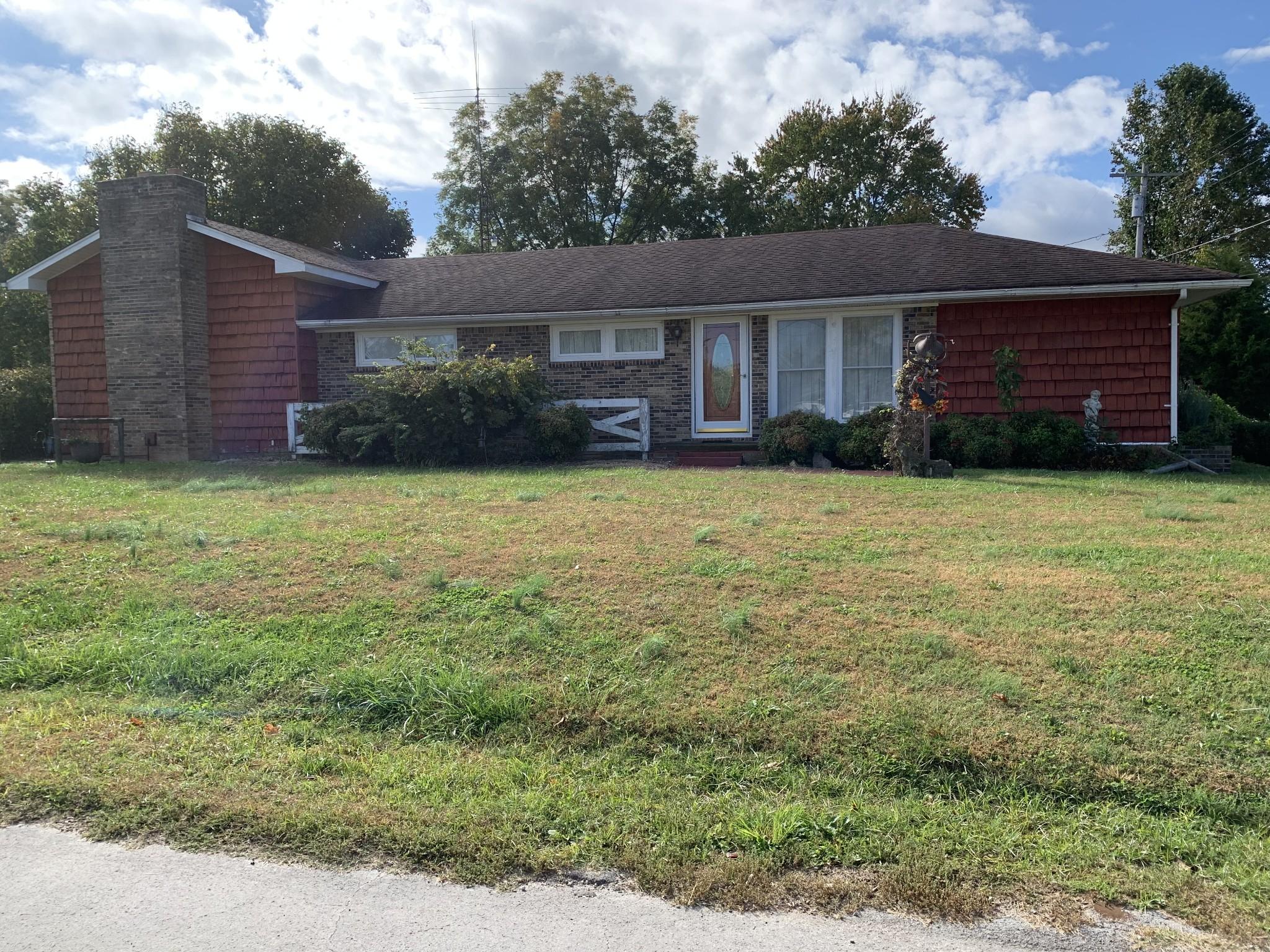 211 Hawkins St Property Photo - Cowan, TN real estate listing