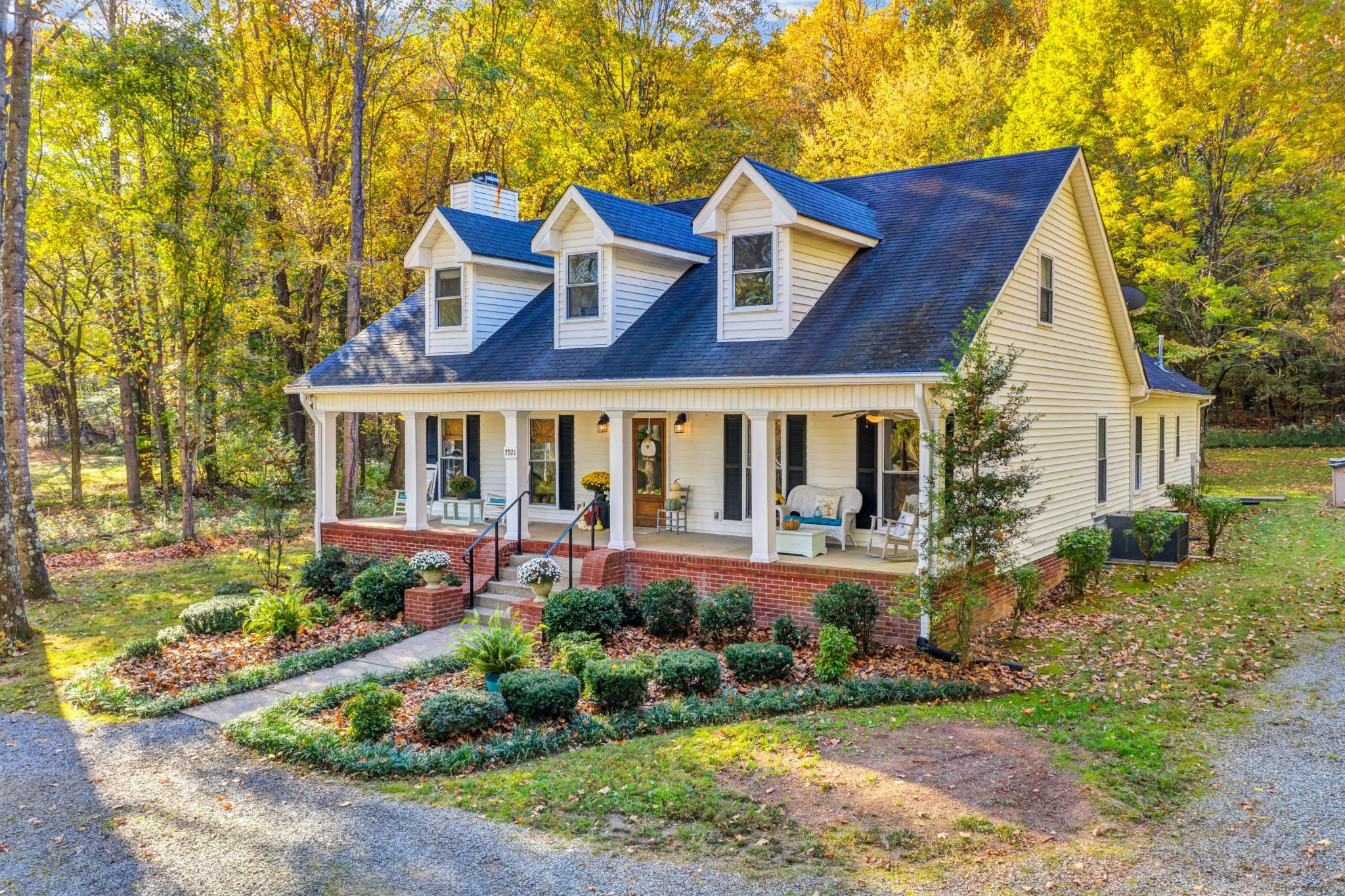 7921 Highway 25 E Property Photo - Cross Plains, TN real estate listing