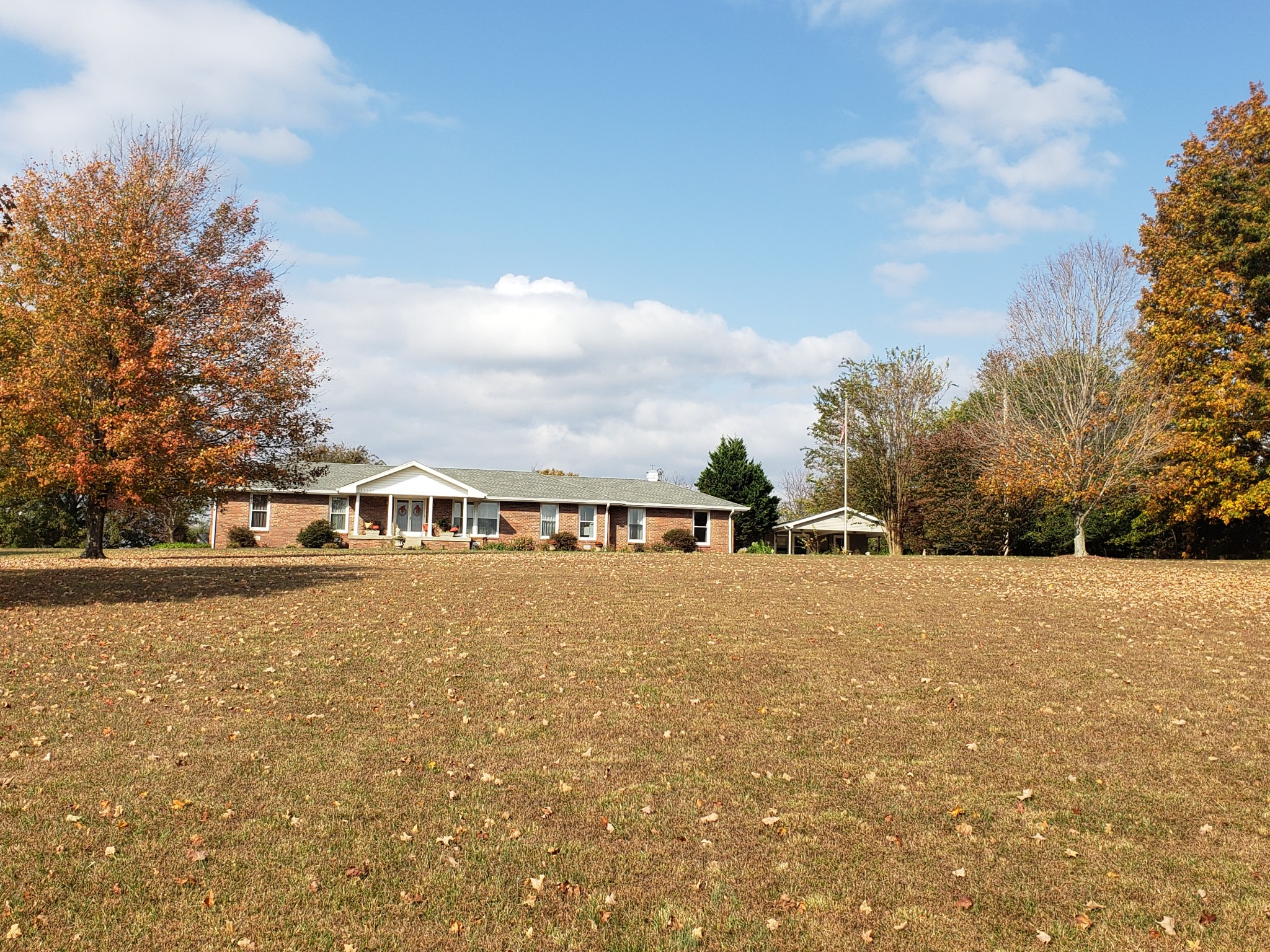 1100 Old Clarksville Pike Property Photo - Pleasant View, TN real estate listing