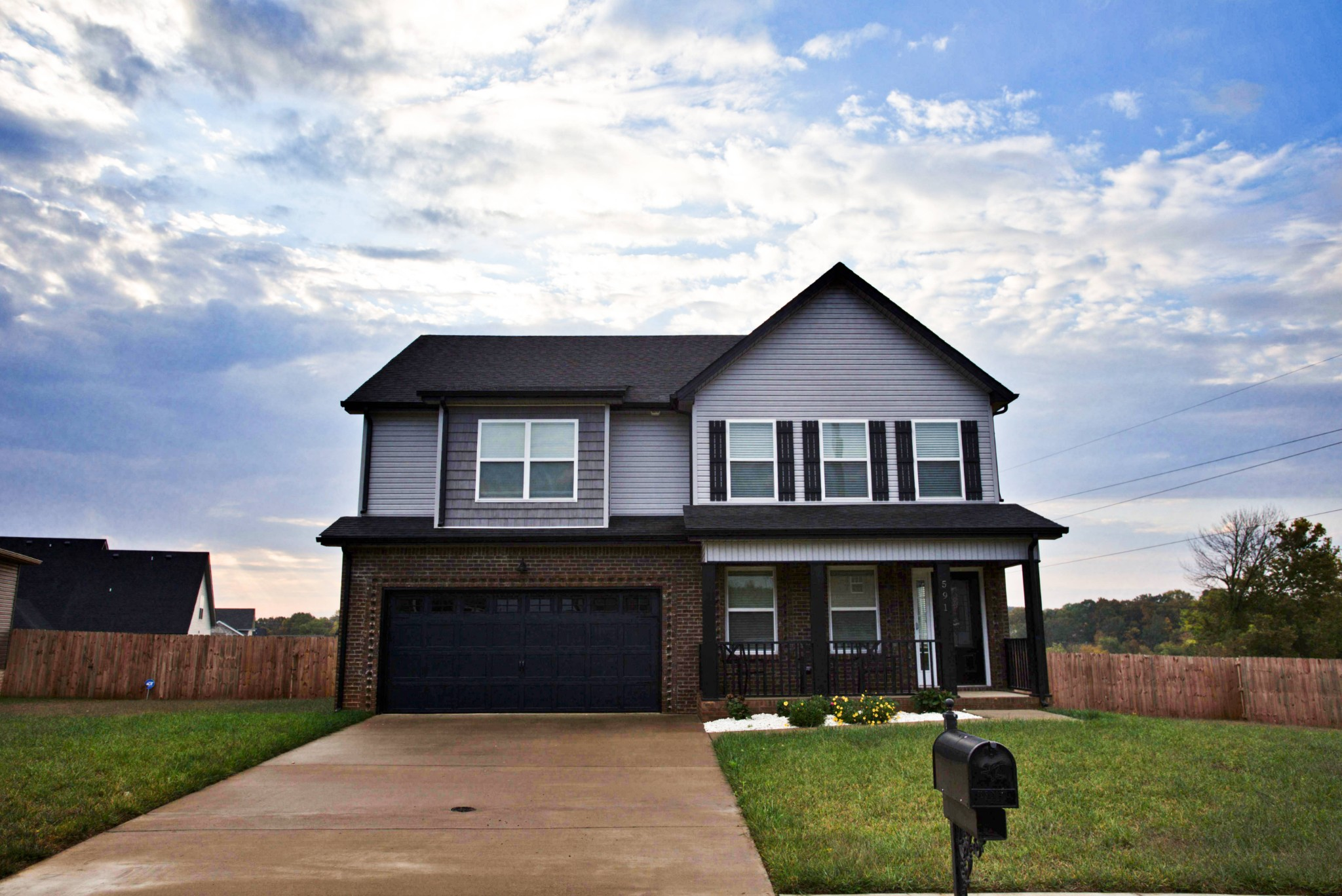 591 Silver Oak Ct Property Photo - Clarksville, TN real estate listing