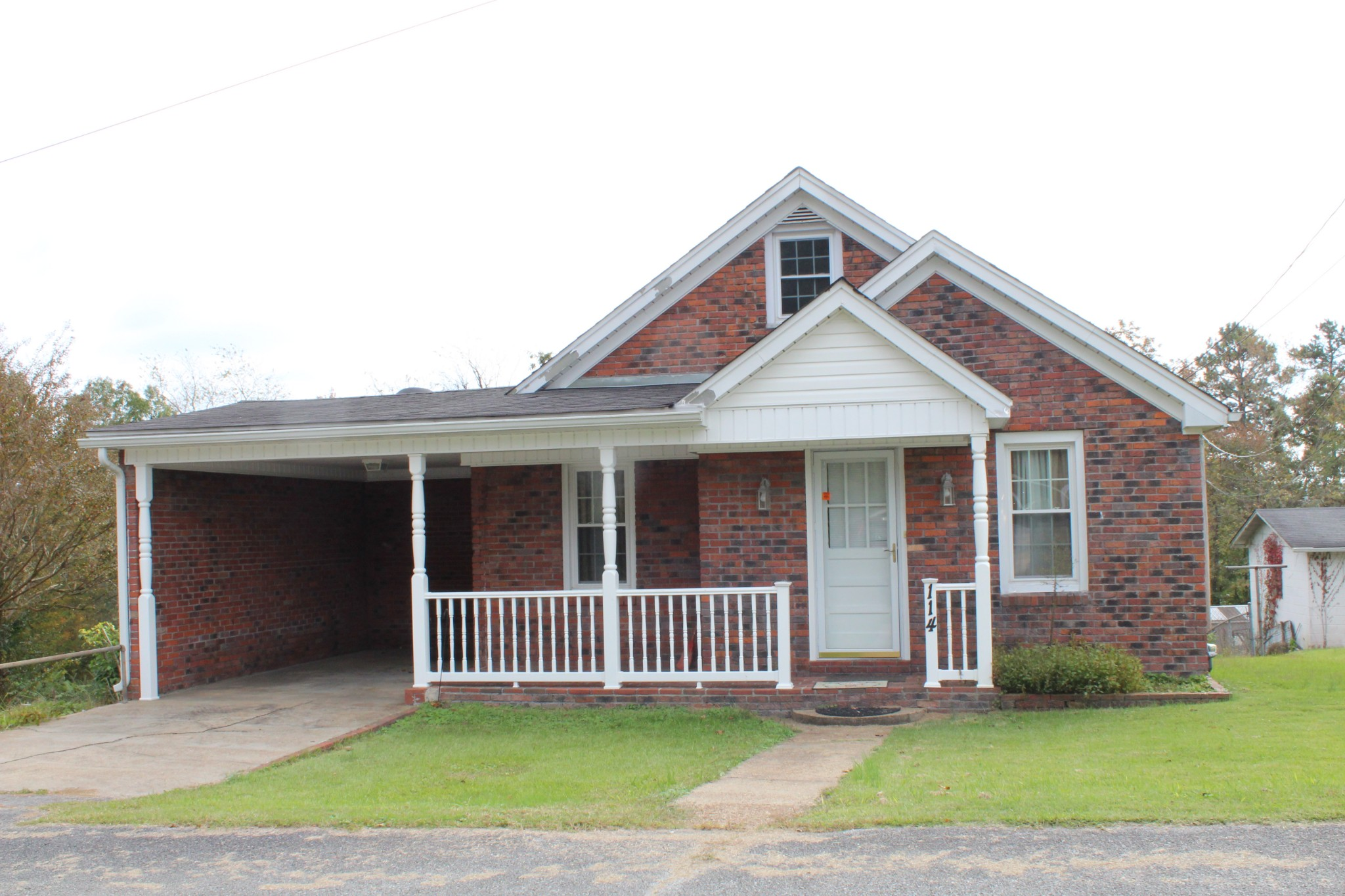 114 Mathis St W #na Property Photo - Waynesboro, TN real estate listing