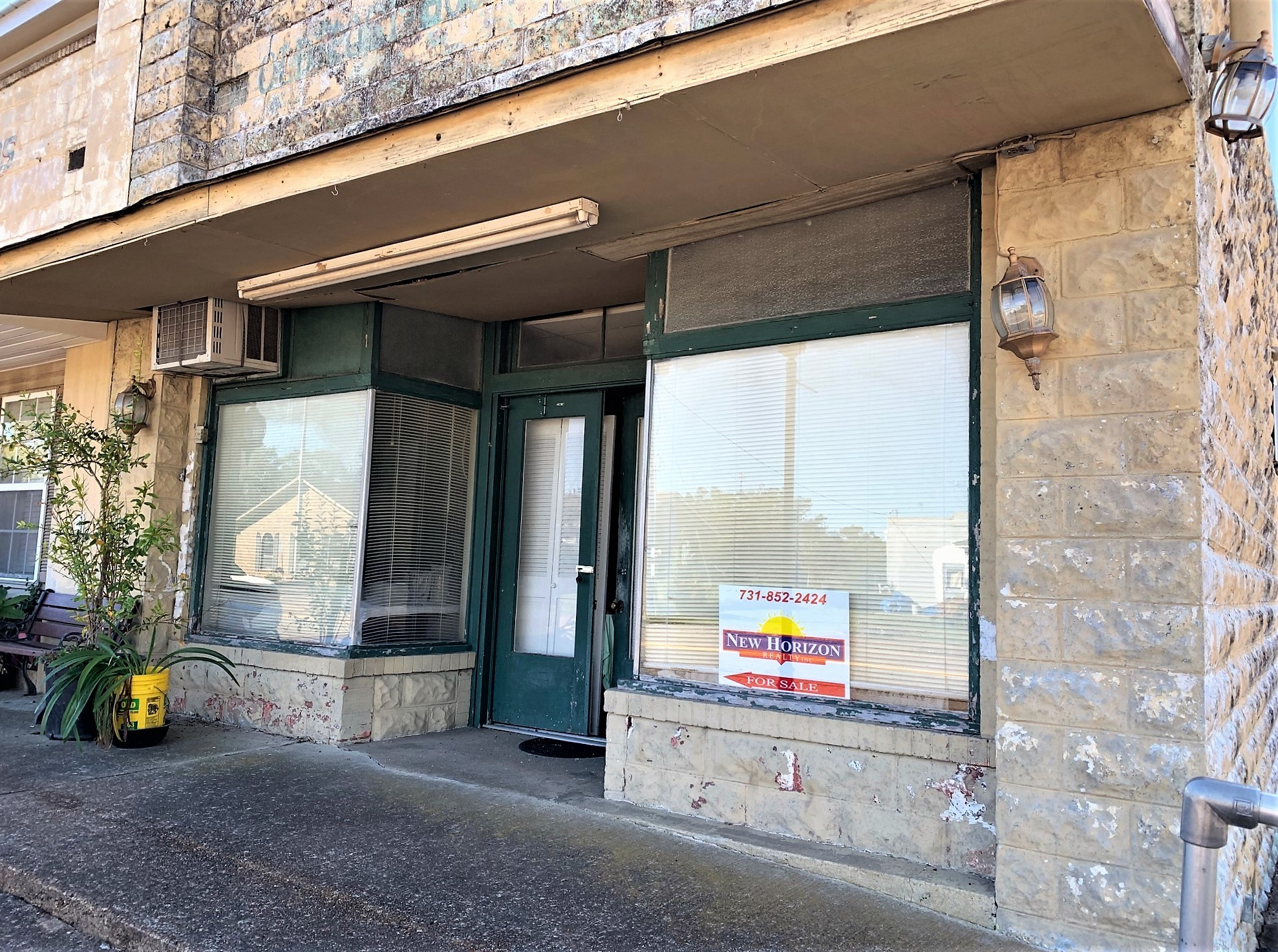 8 E Main St Property Photo - Decaturville, TN real estate listing