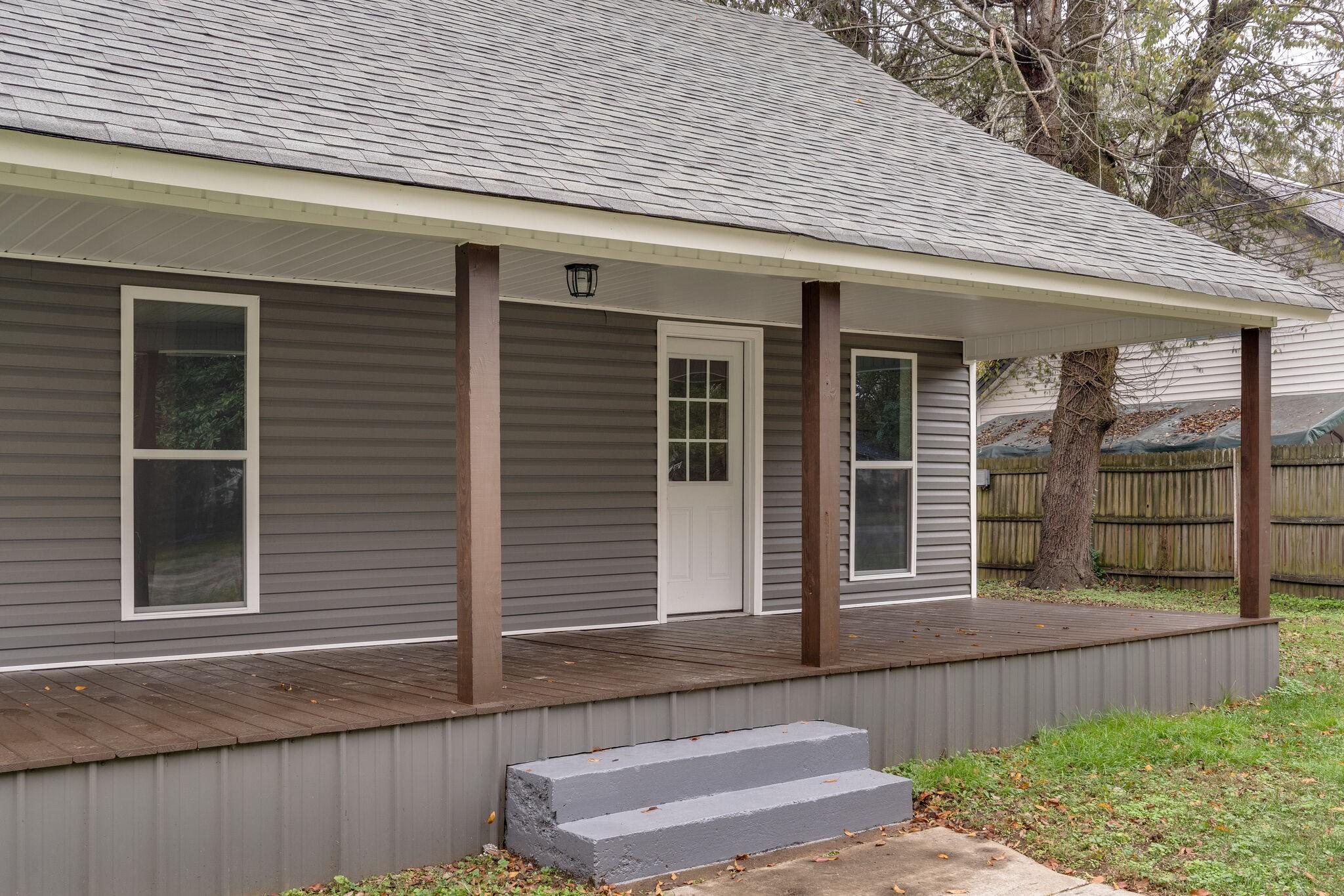 307 Washington Ave Property Photo - Mount Pleasant, TN real estate listing