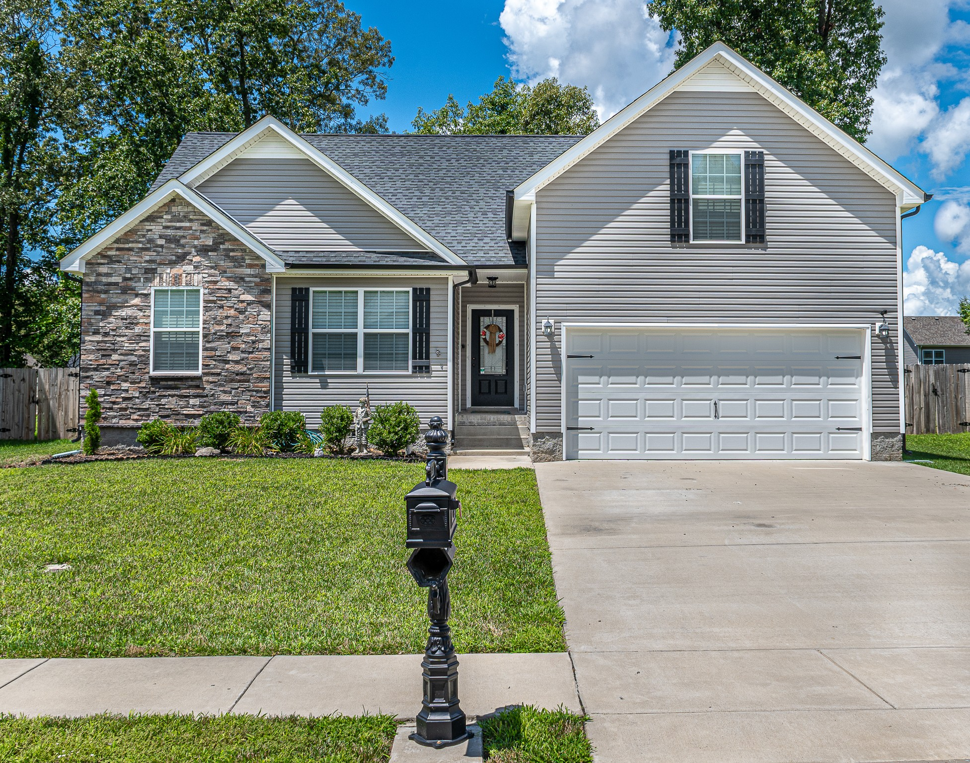 154 Sycamore Hill Dr Property Photo - Clarksville, TN real estate listing