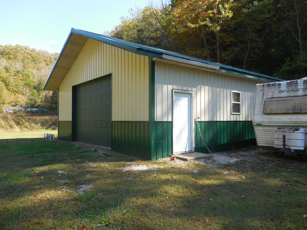 1122 Modock Hollow Rd Property Photo - Celina, TN real estate listing