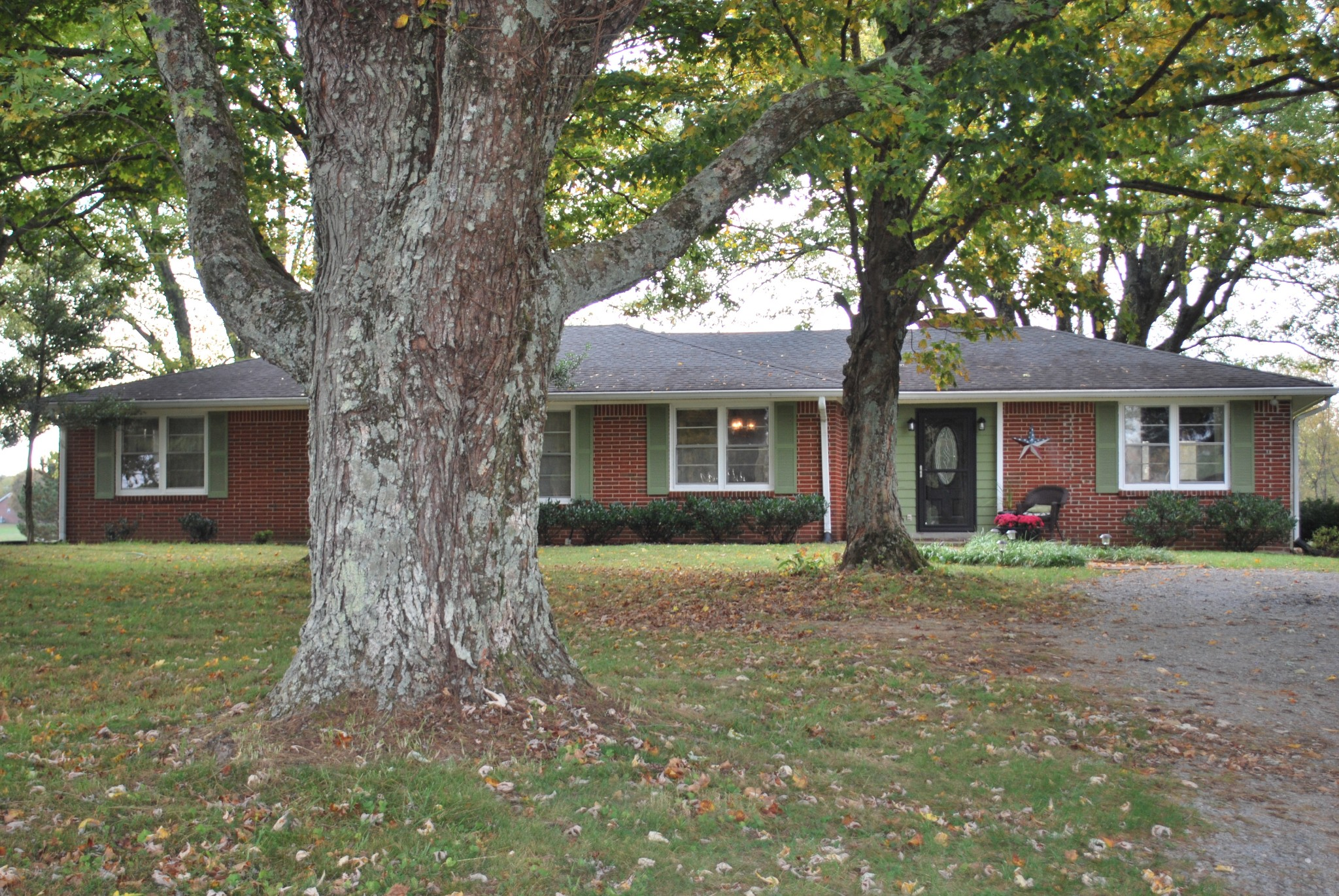 1501 Rock Bridge Rd Property Photo - Bethpage, TN real estate listing