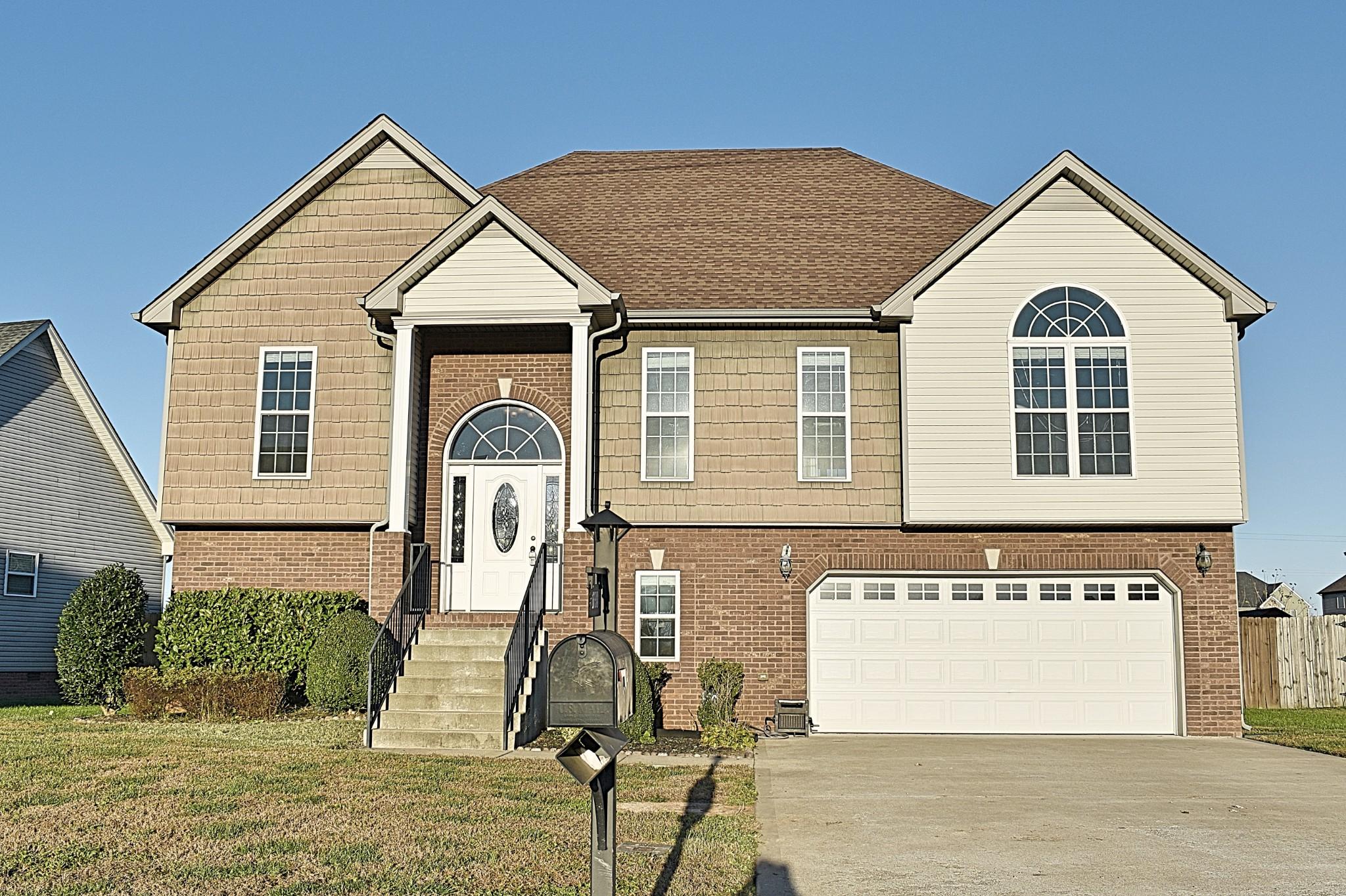 1793 Autumnwood Blvd Property Photo - Clarksville, TN real estate listing