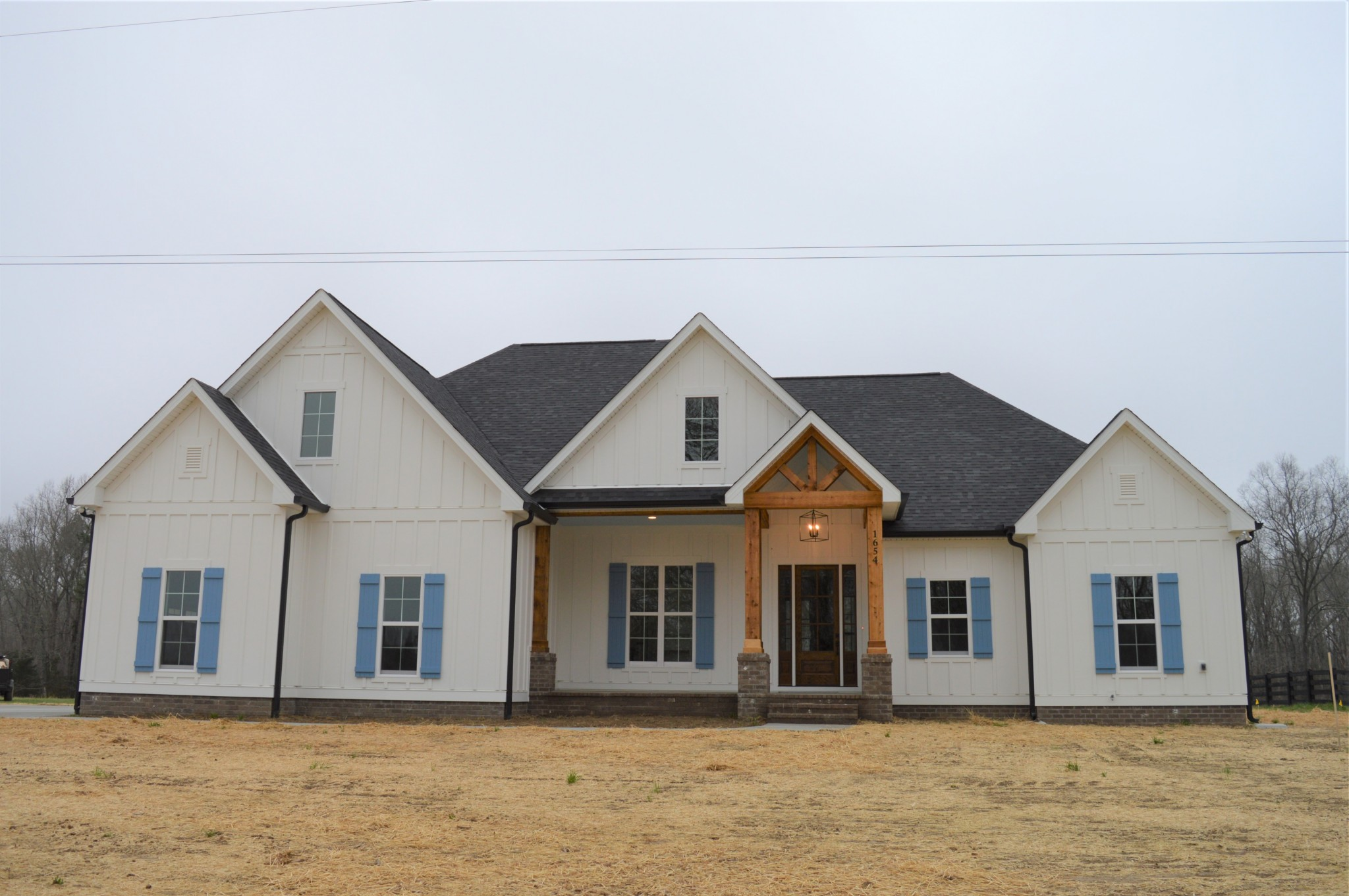 1654 Porter Rd Property Photo - Burns, TN real estate listing