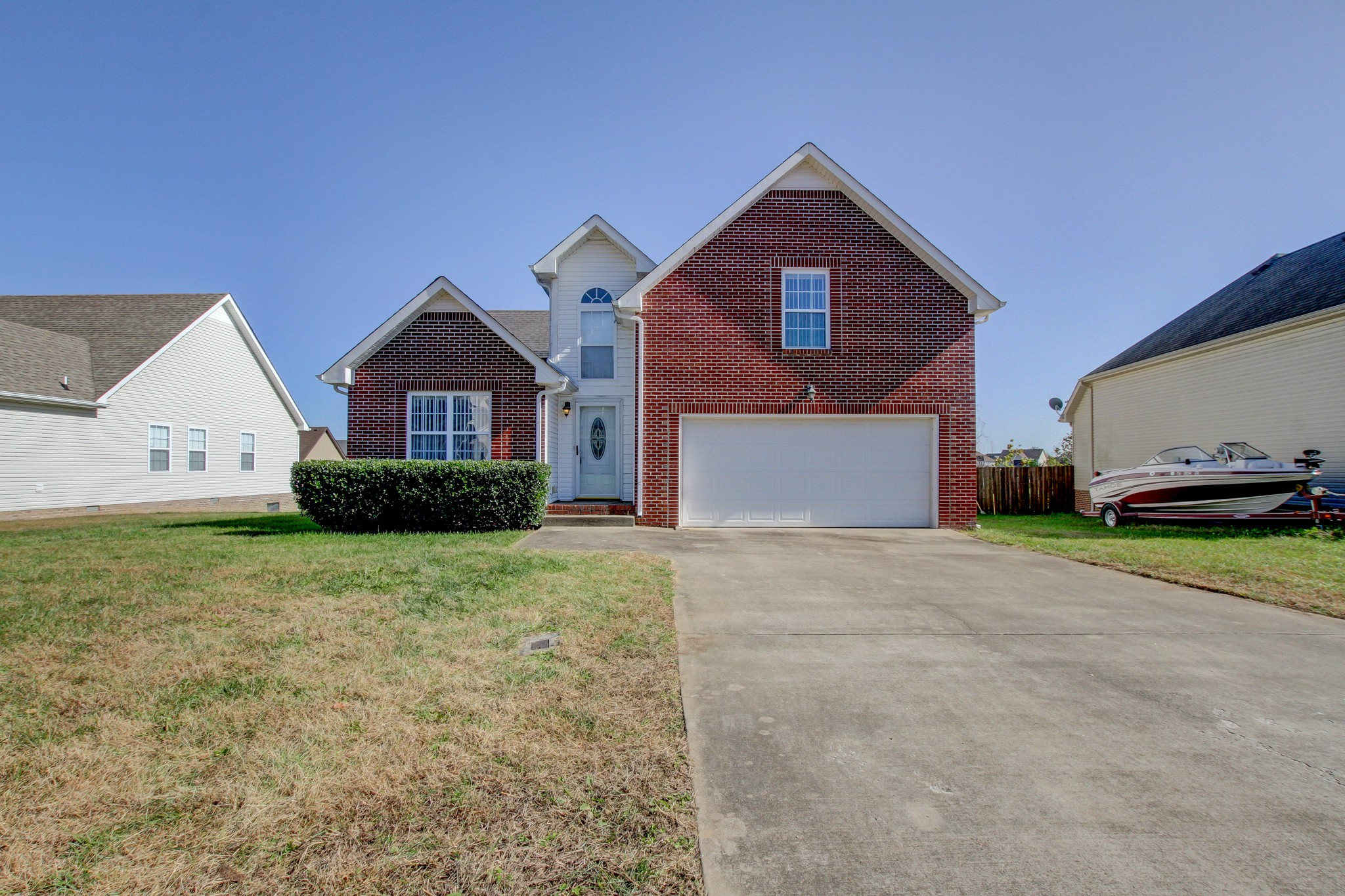 1629 Autumn Dr Property Photo - Clarksville, TN real estate listing