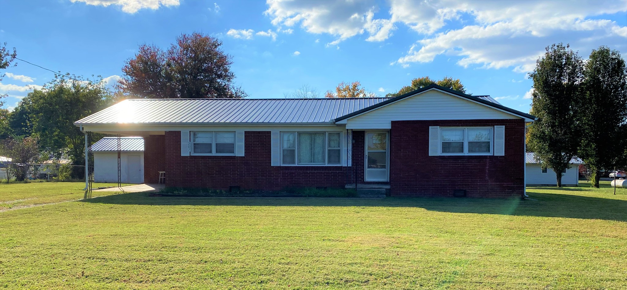 207 Johnson Ave Property Photo - Huntland, TN real estate listing