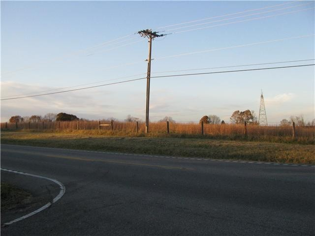 3501 Hwy 96 Property Photo - Burns, TN real estate listing