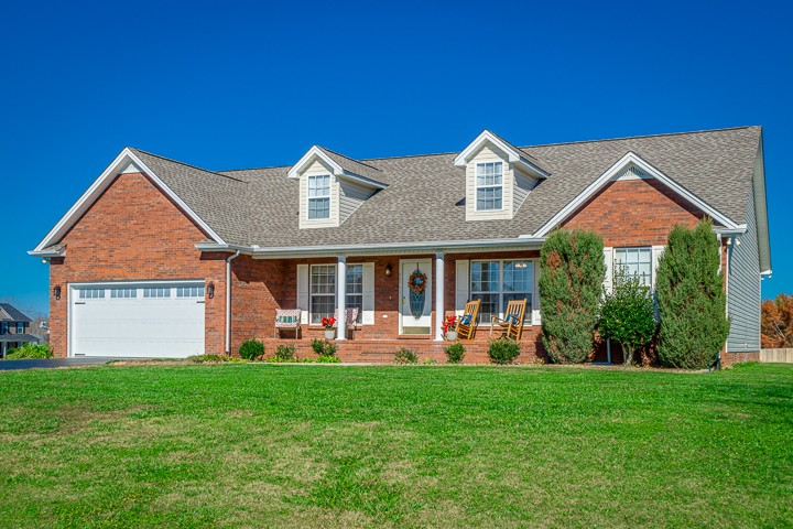 5509 Raven Xing Property Photo - Baxter, TN real estate listing