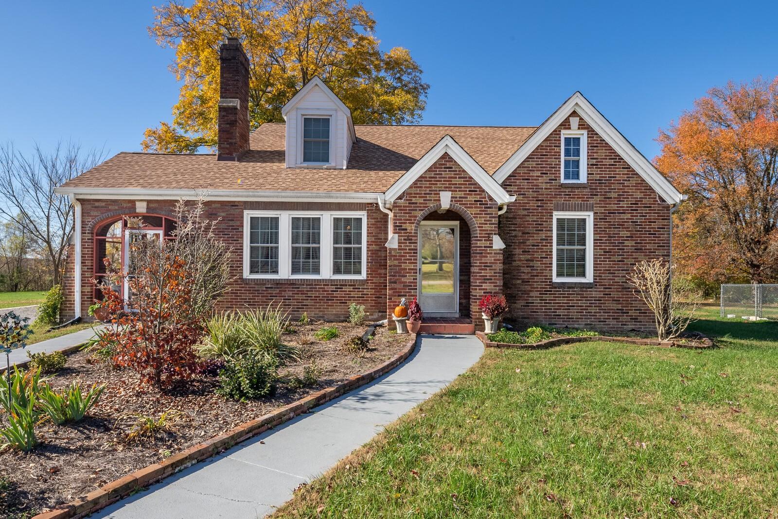 2113 S Main St Property Photo