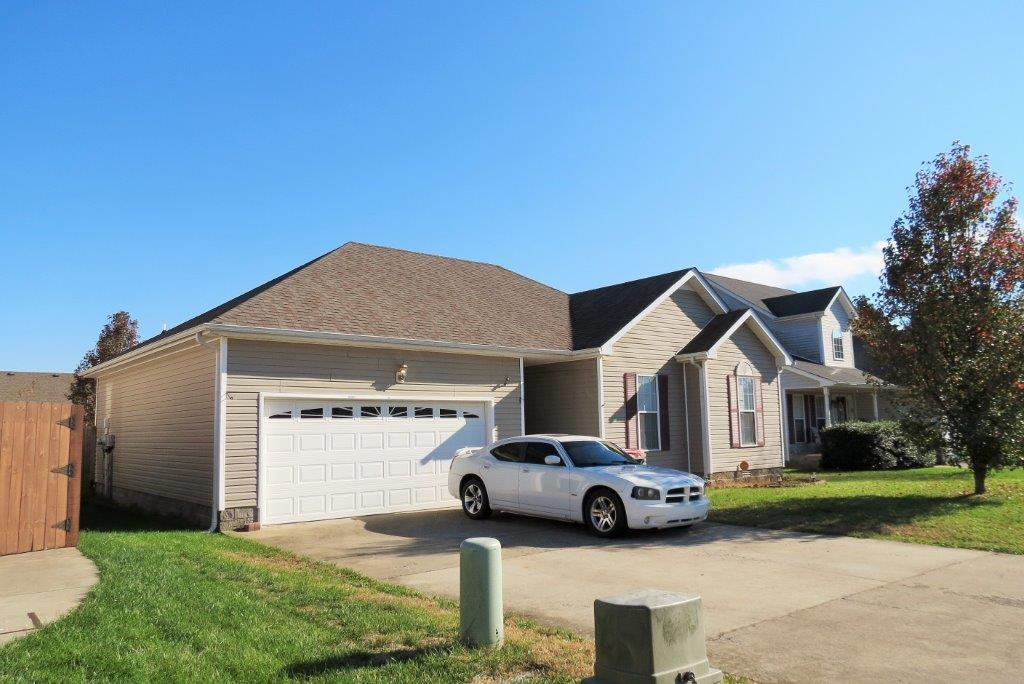 3693 S Jot Dr Property Photo - Clarksville, TN real estate listing