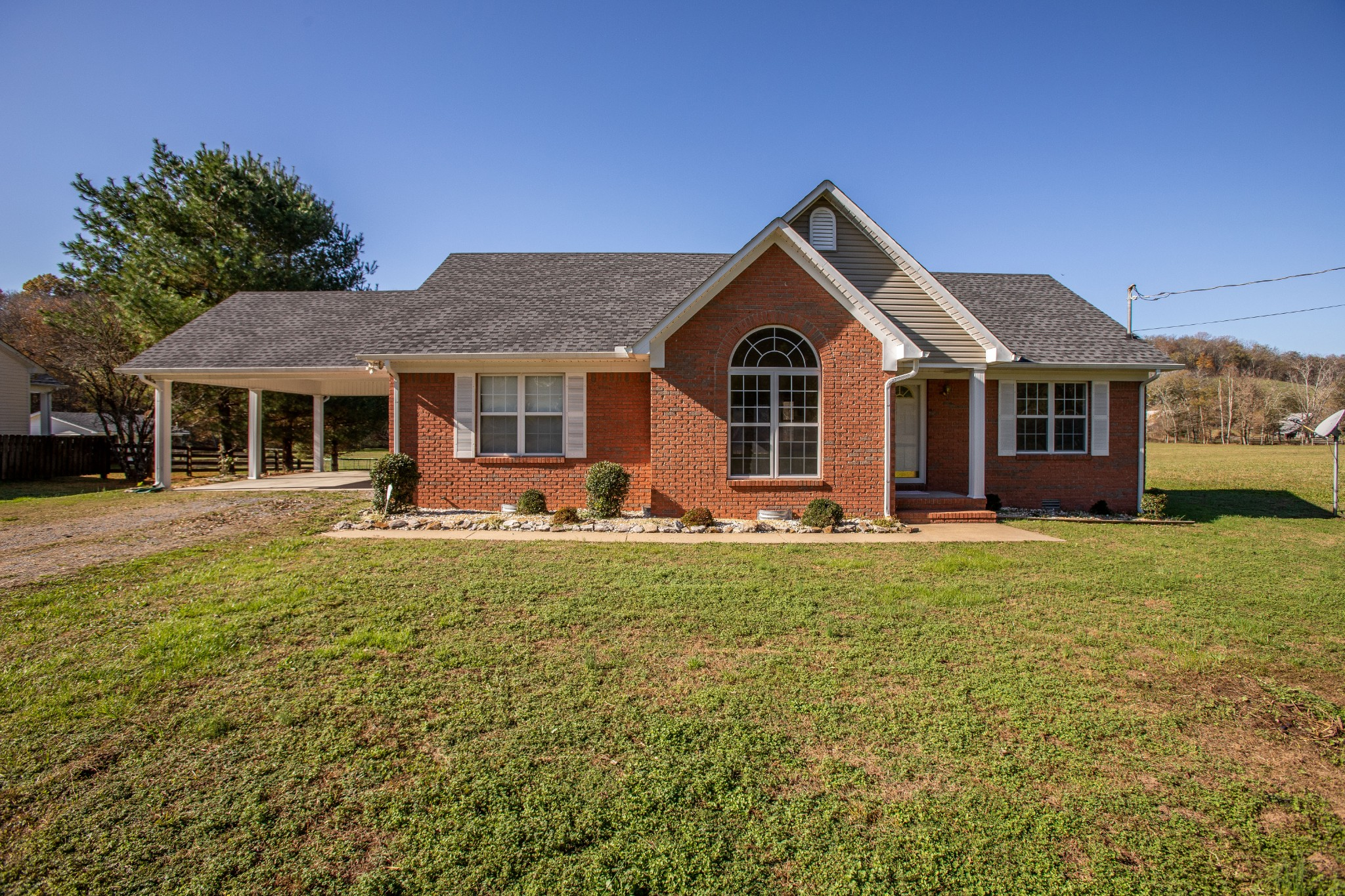 15431 Columbia Hwy Property Photo - Lynnville, TN real estate listing