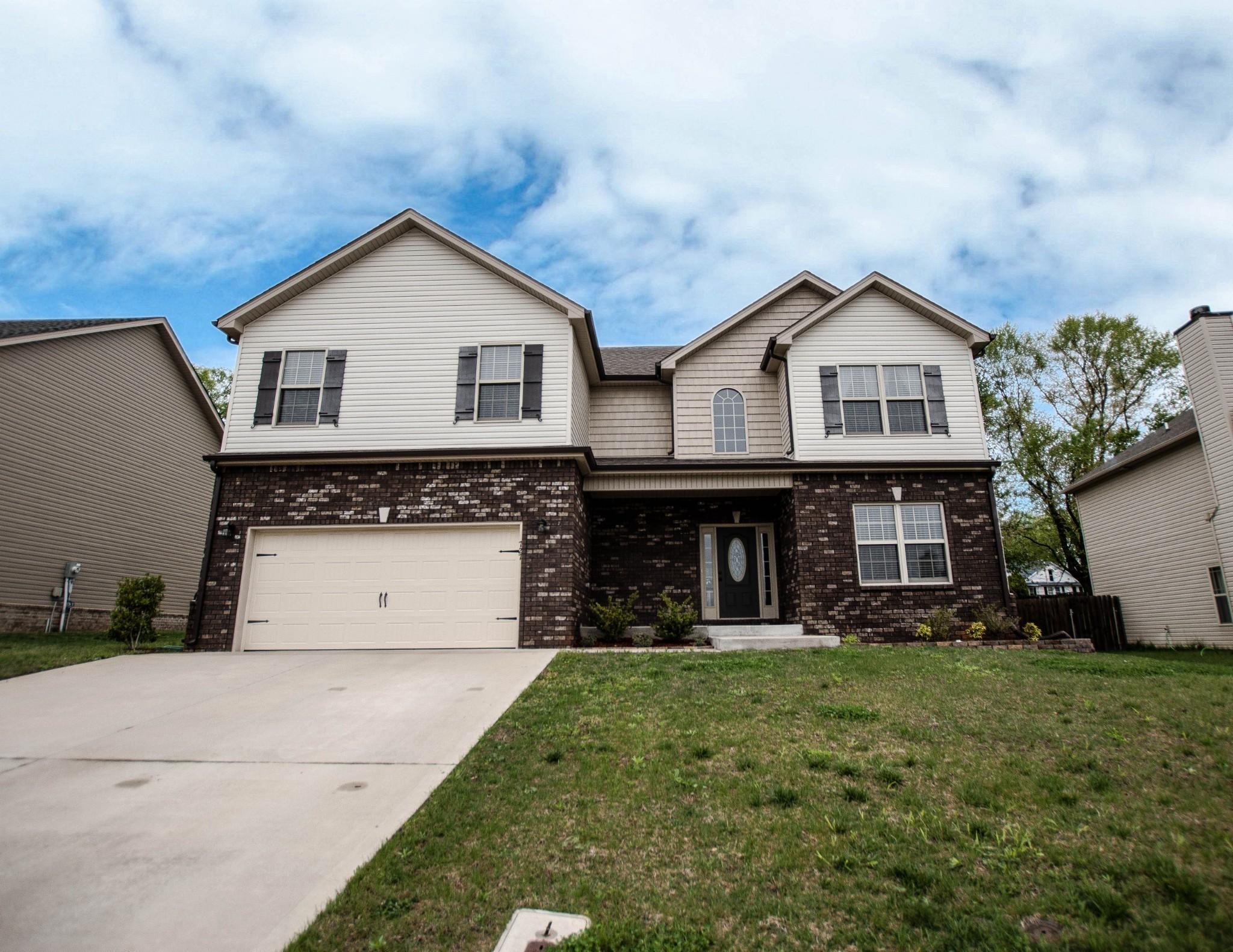 727 Sturdivant Dr Property Photo - Clarksville, TN real estate listing