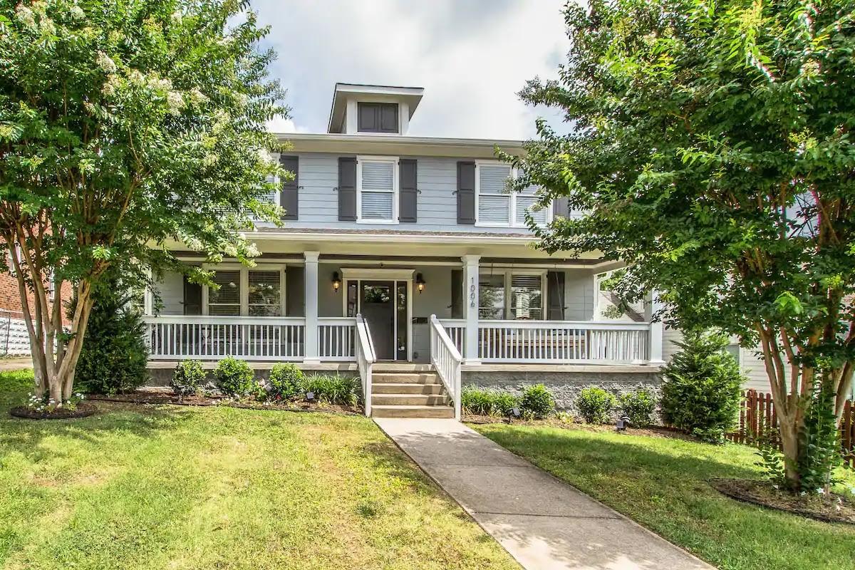 1006 Lawrence Ave Property Photo