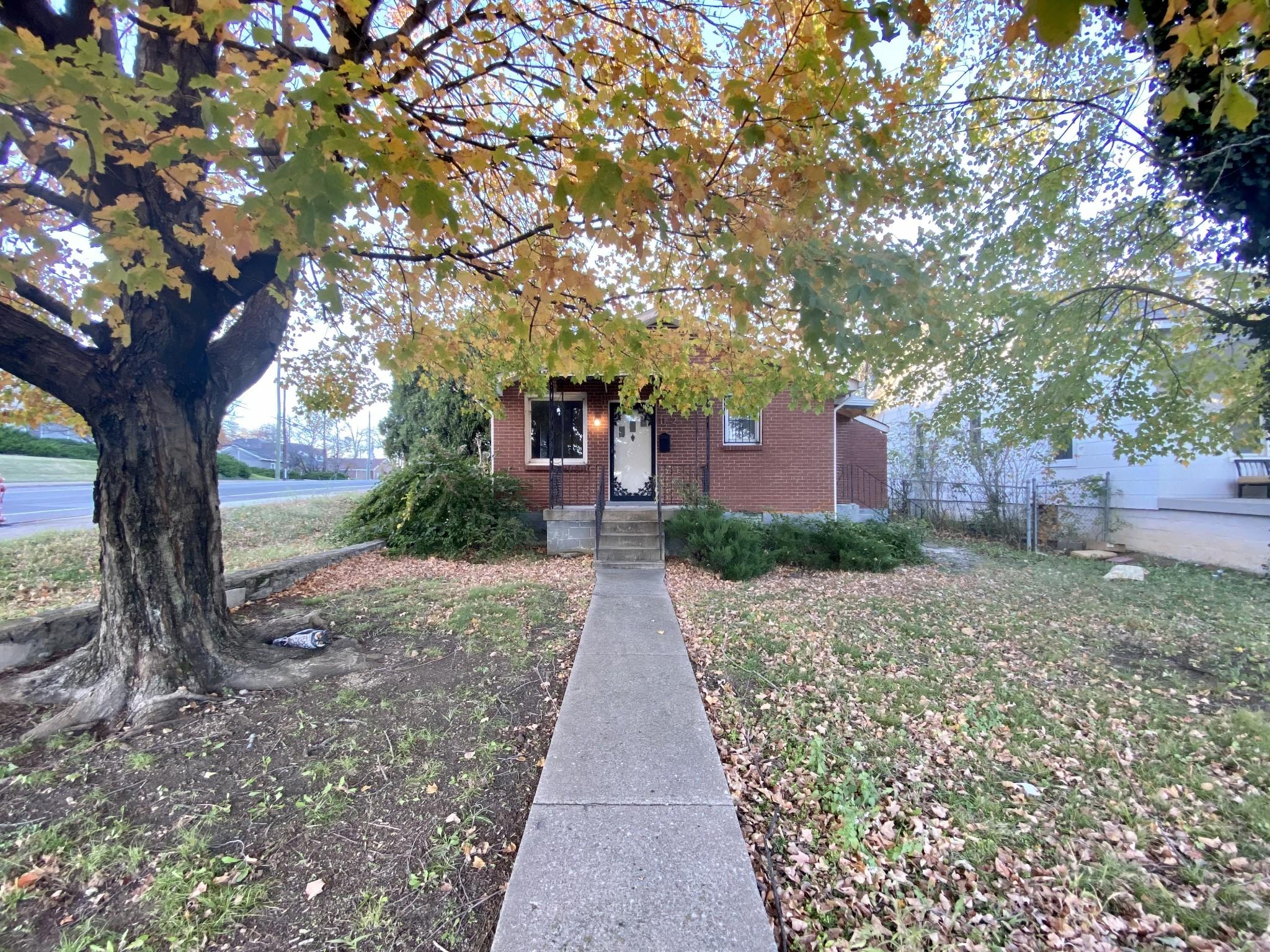 1112 Bate Ave Property Photo - Nashville, TN real estate listing