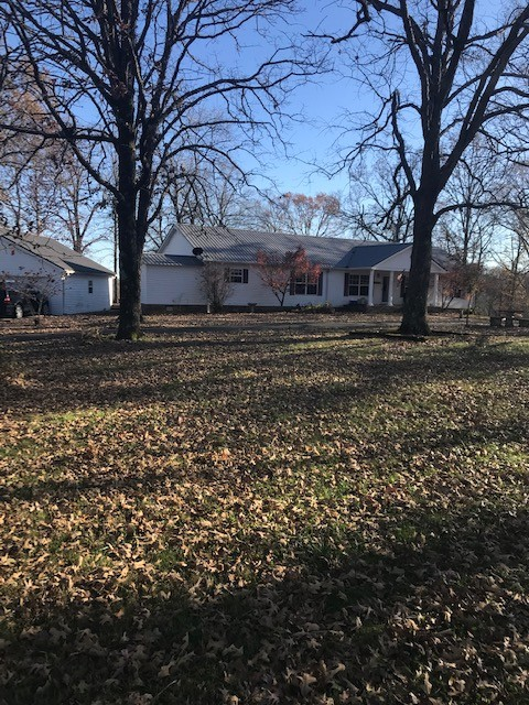 1090 Gaines Hill Rd Property Photo - Westmoreland, TN real estate listing