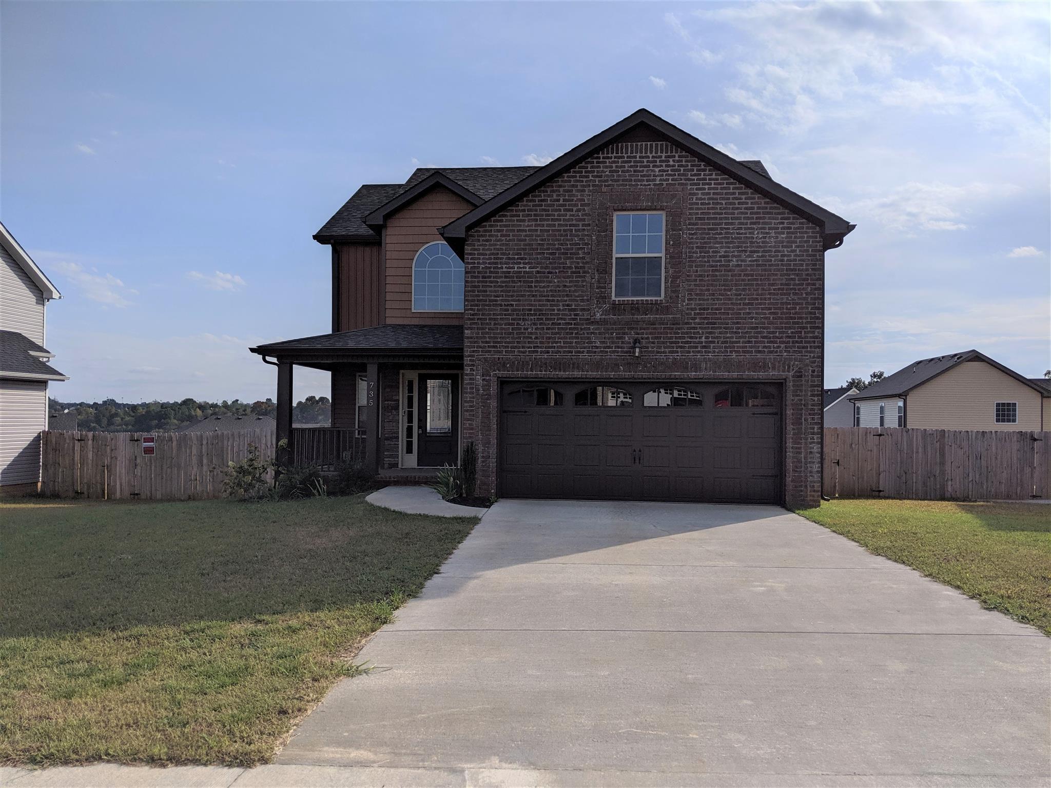 735 Crestone Ln Property Photo - Clarksville, TN real estate listing