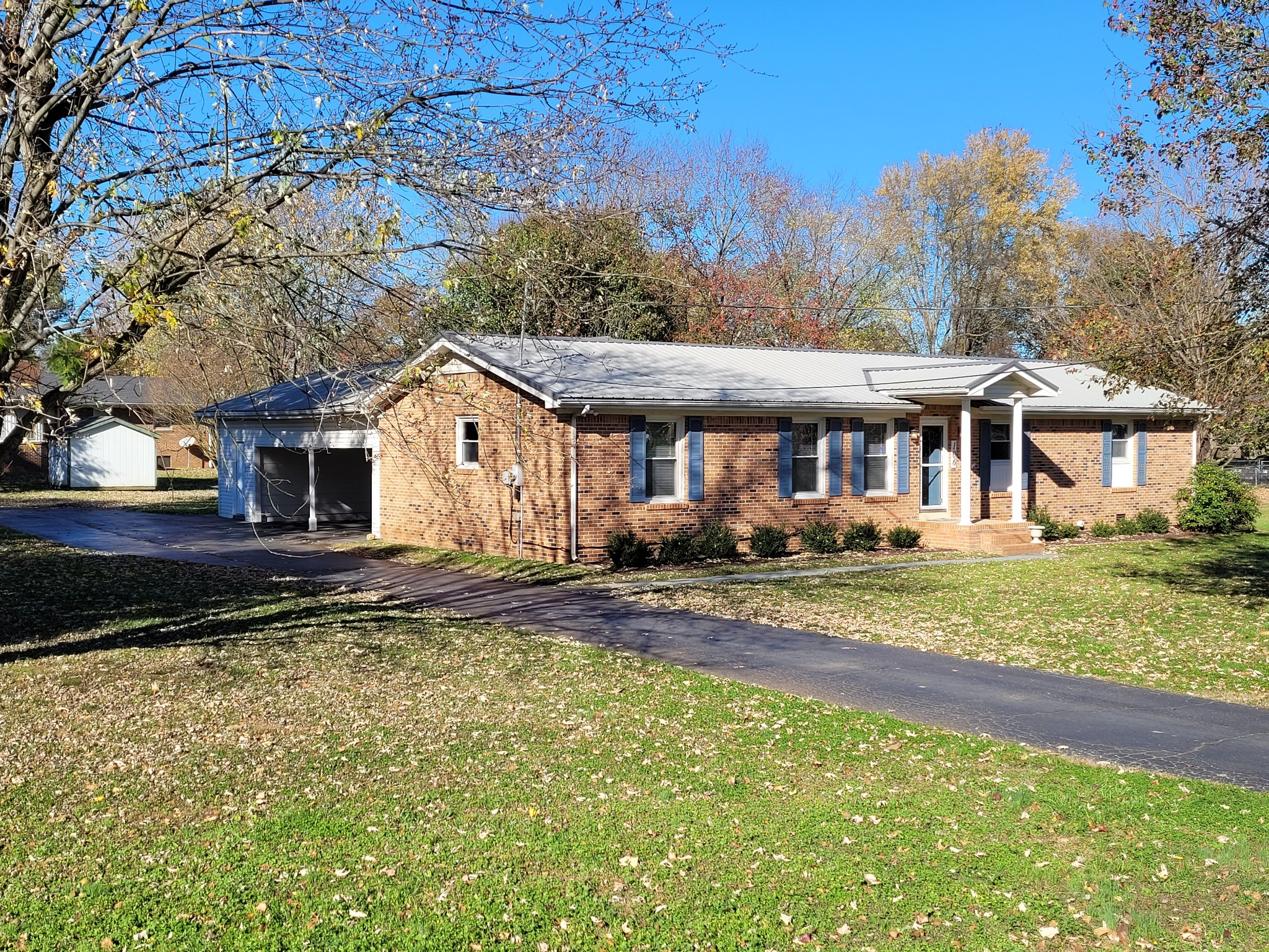 106 Iris Dr Property Photo - Mount Pleasant, TN real estate listing