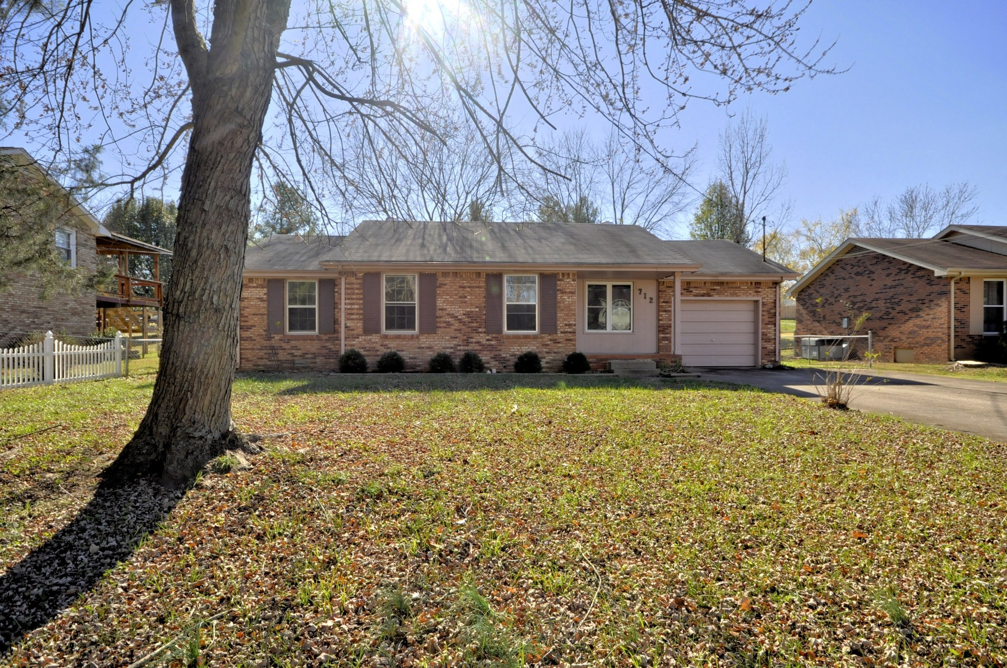 712 CAYCE DRIVE Property Photo - Clarksville, TN real estate listing