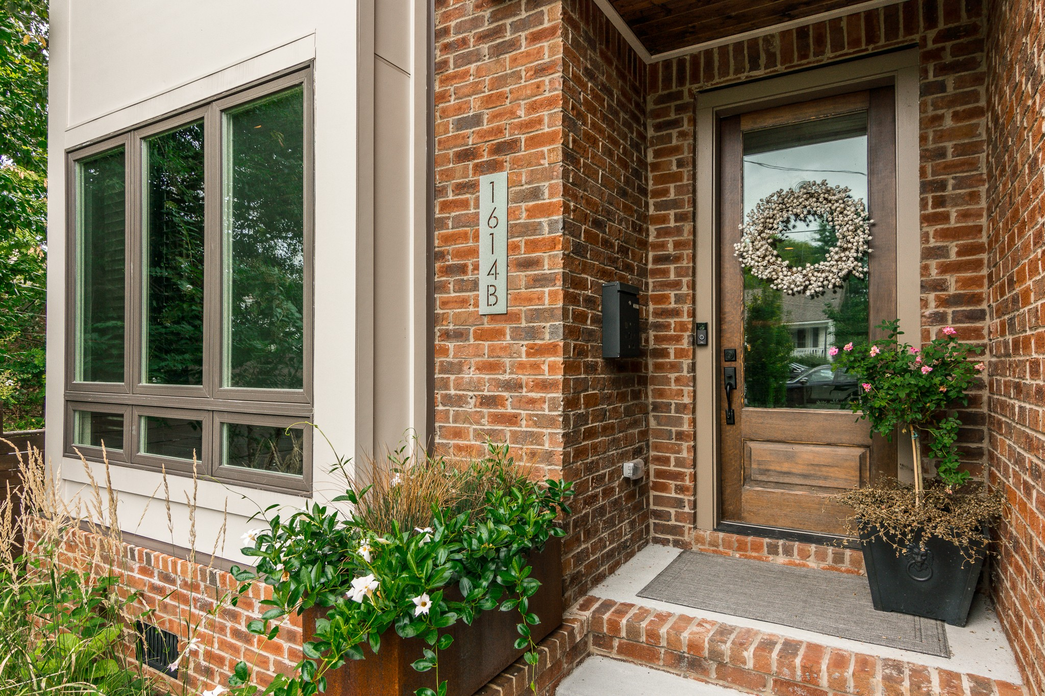 1614B 6th Ave N Property Photo - Nashville, TN real estate listing