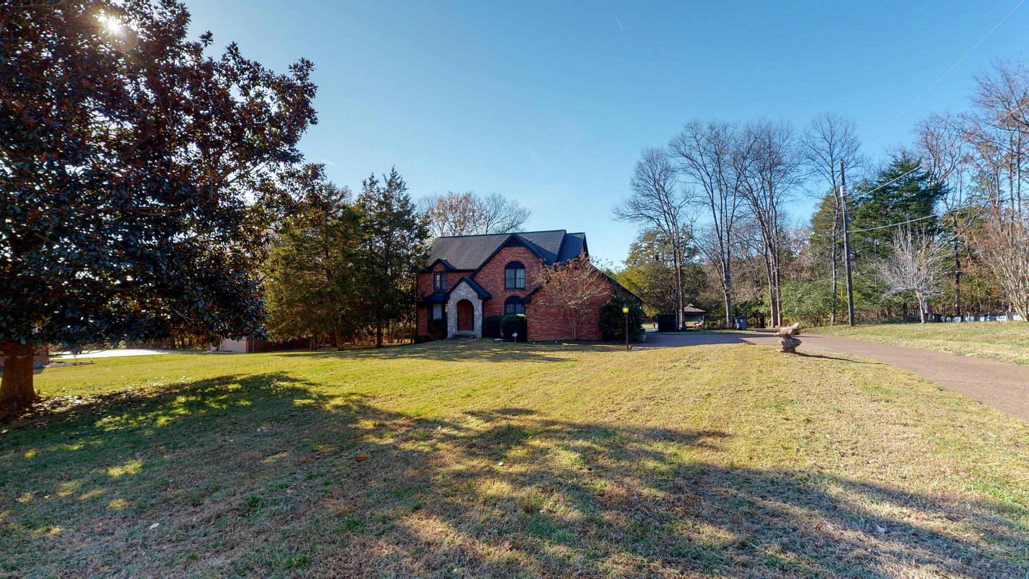 Arnold T & Carol H Cole Real Estate Listings Main Image