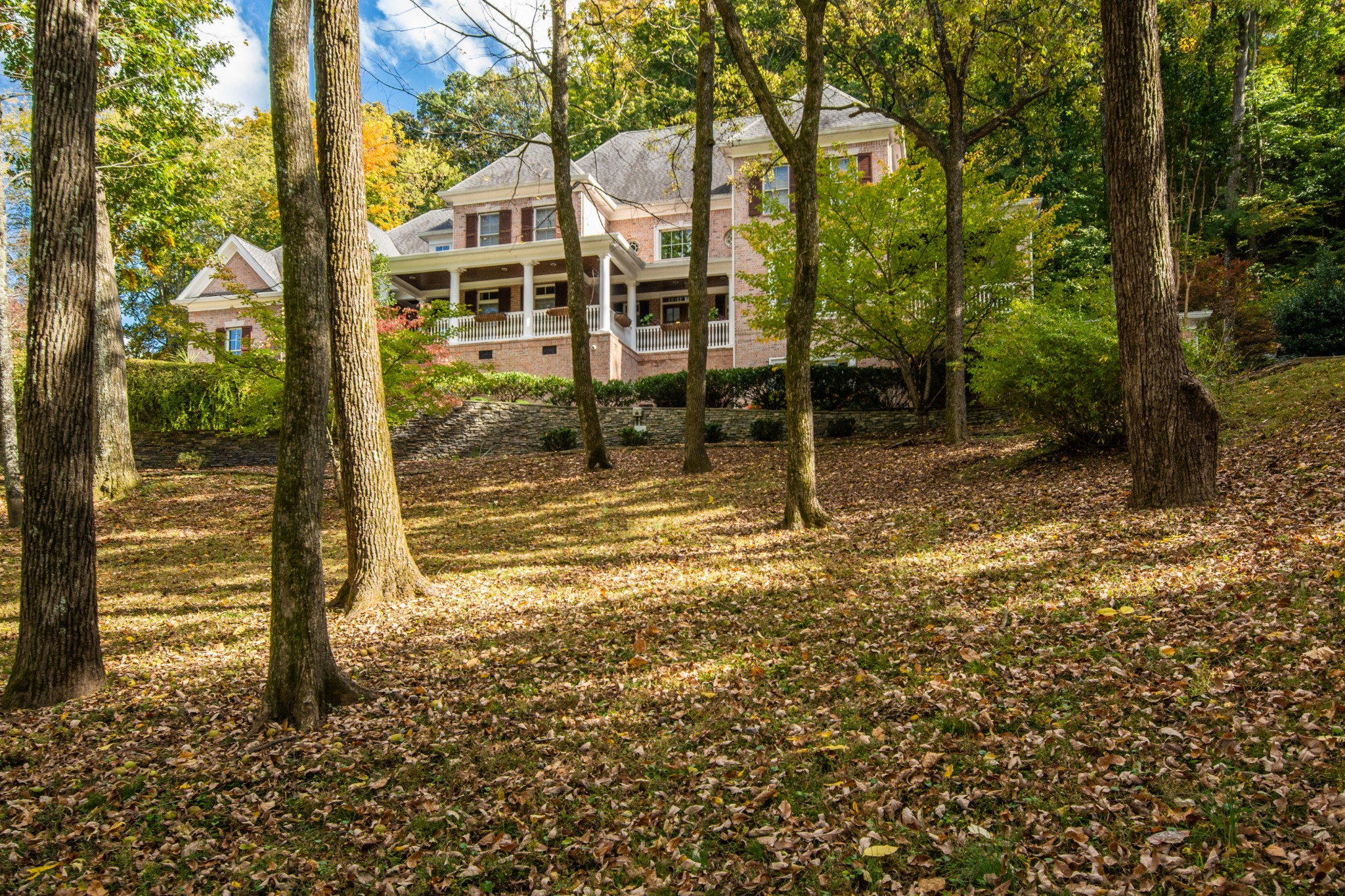2049 Lynnwood Drive Property Photo - Franklin, TN real estate listing
