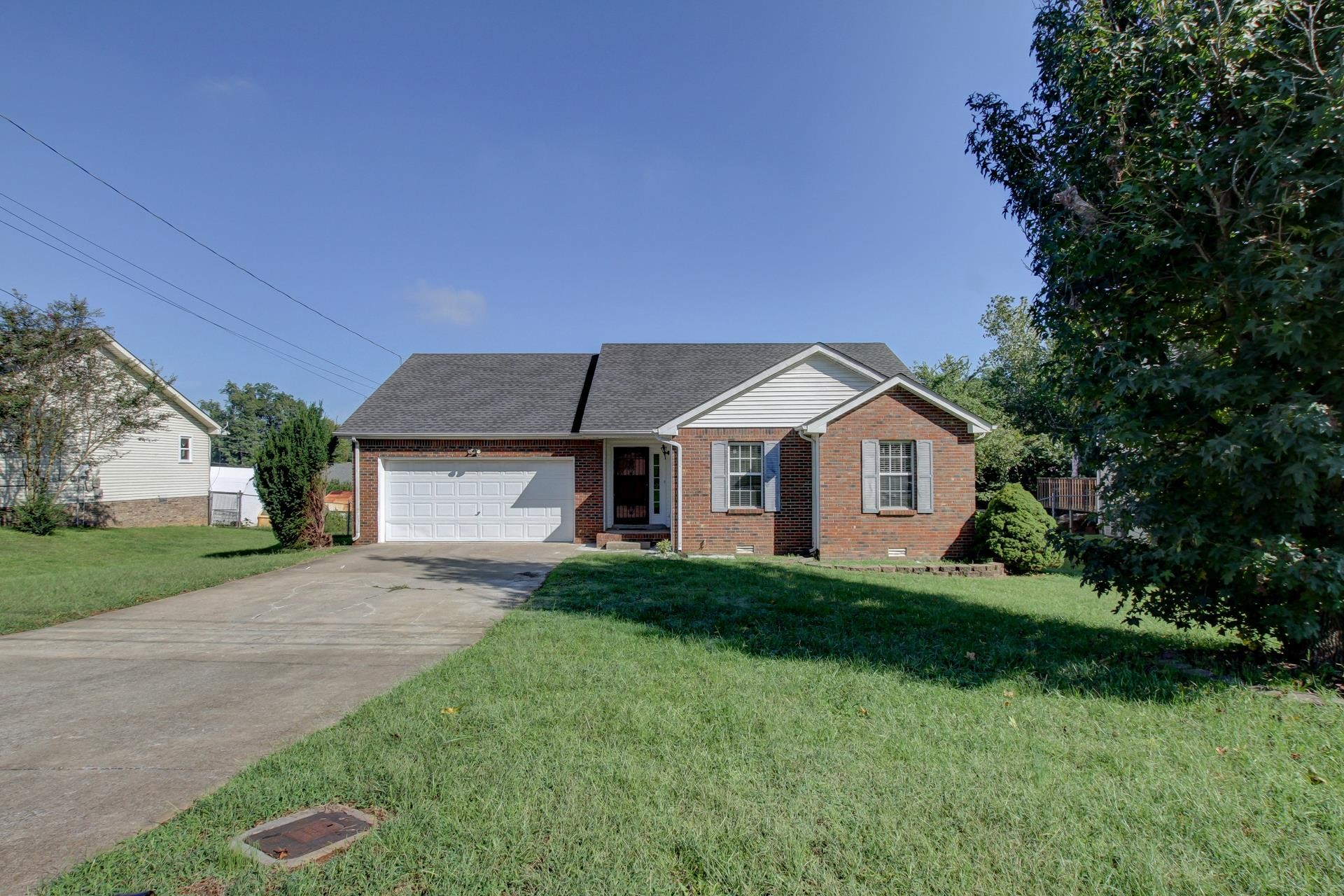 245 Moncrest Dr. Property Photo - Clarksville, TN real estate listing