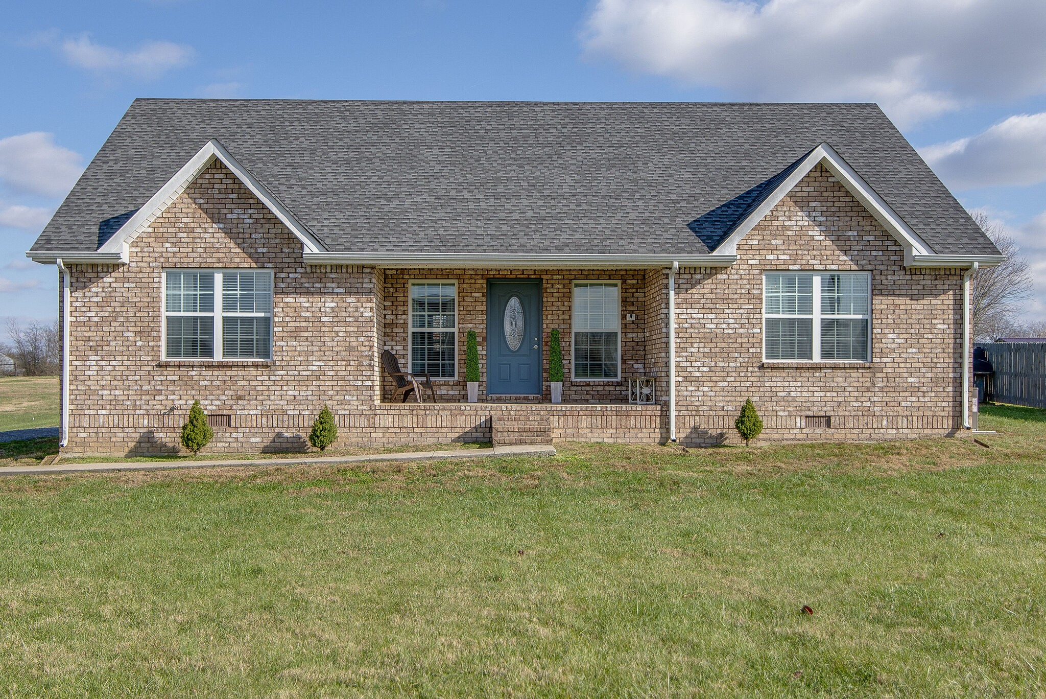 1004 Meridian Dr Property Photo - Castalian Springs, TN real estate listing
