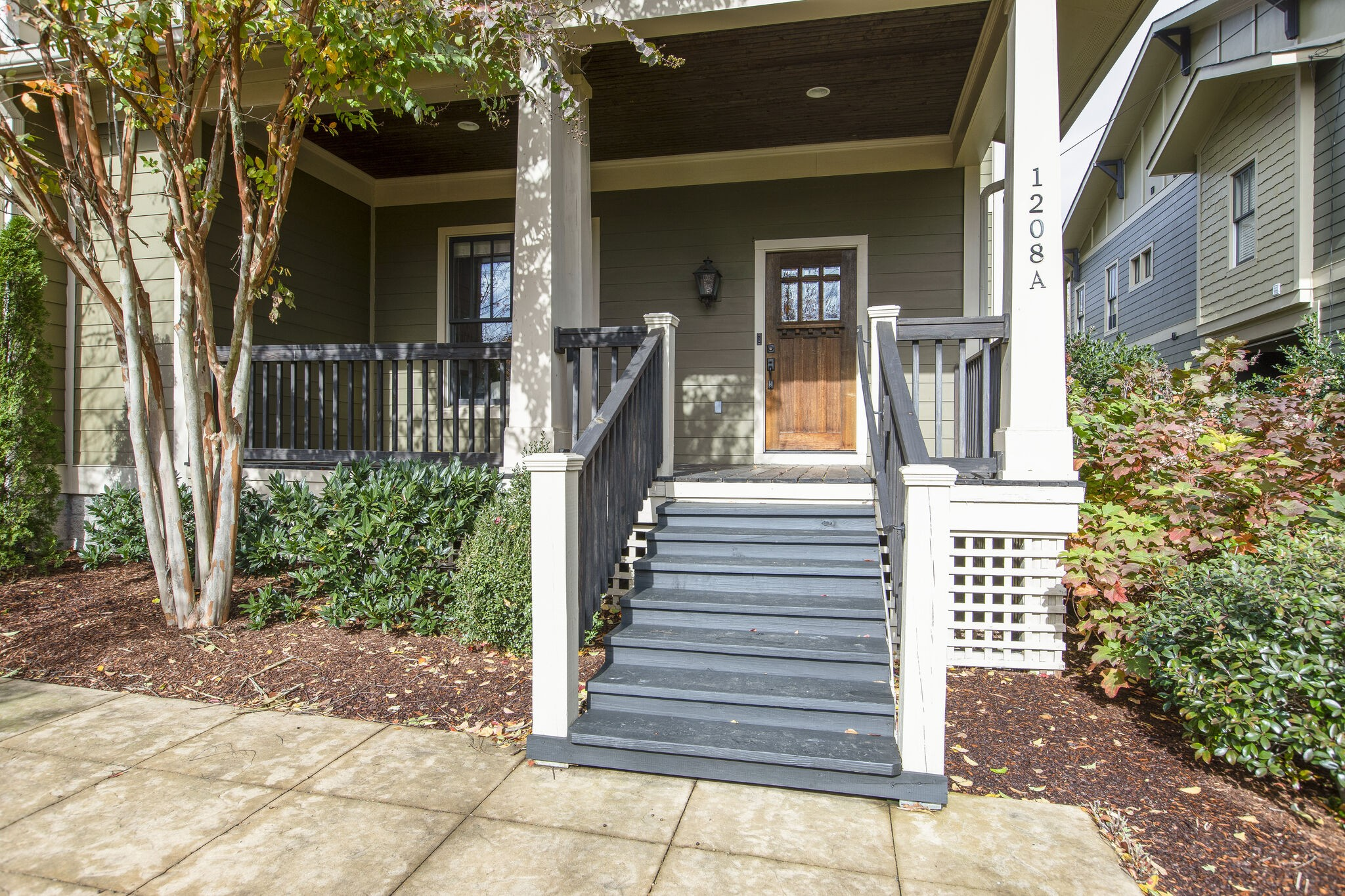 1208a Linden Ave Property Photo