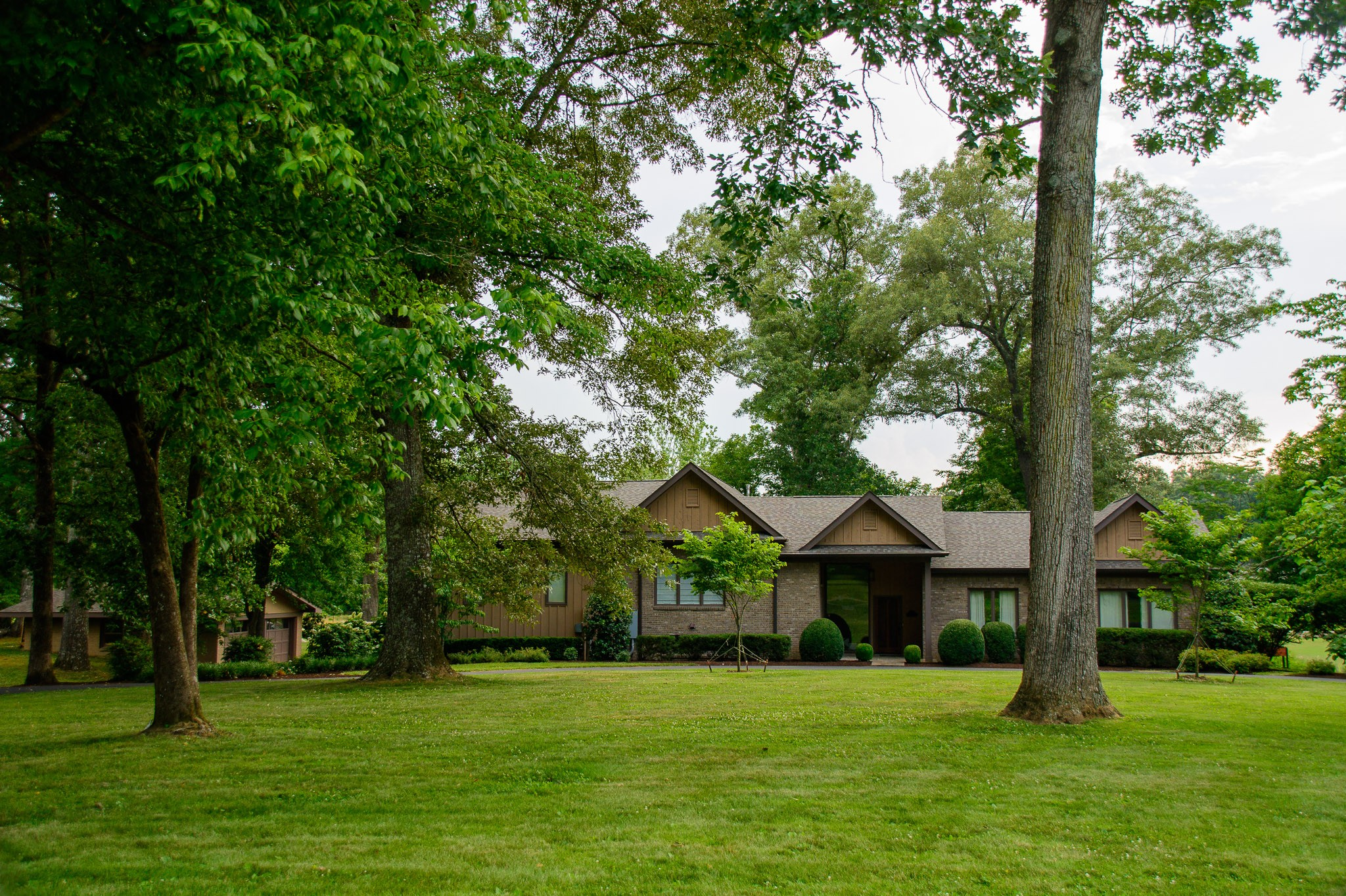 109 LAKEWOOD DRIVE Property Photo - Tullahoma, TN real estate listing