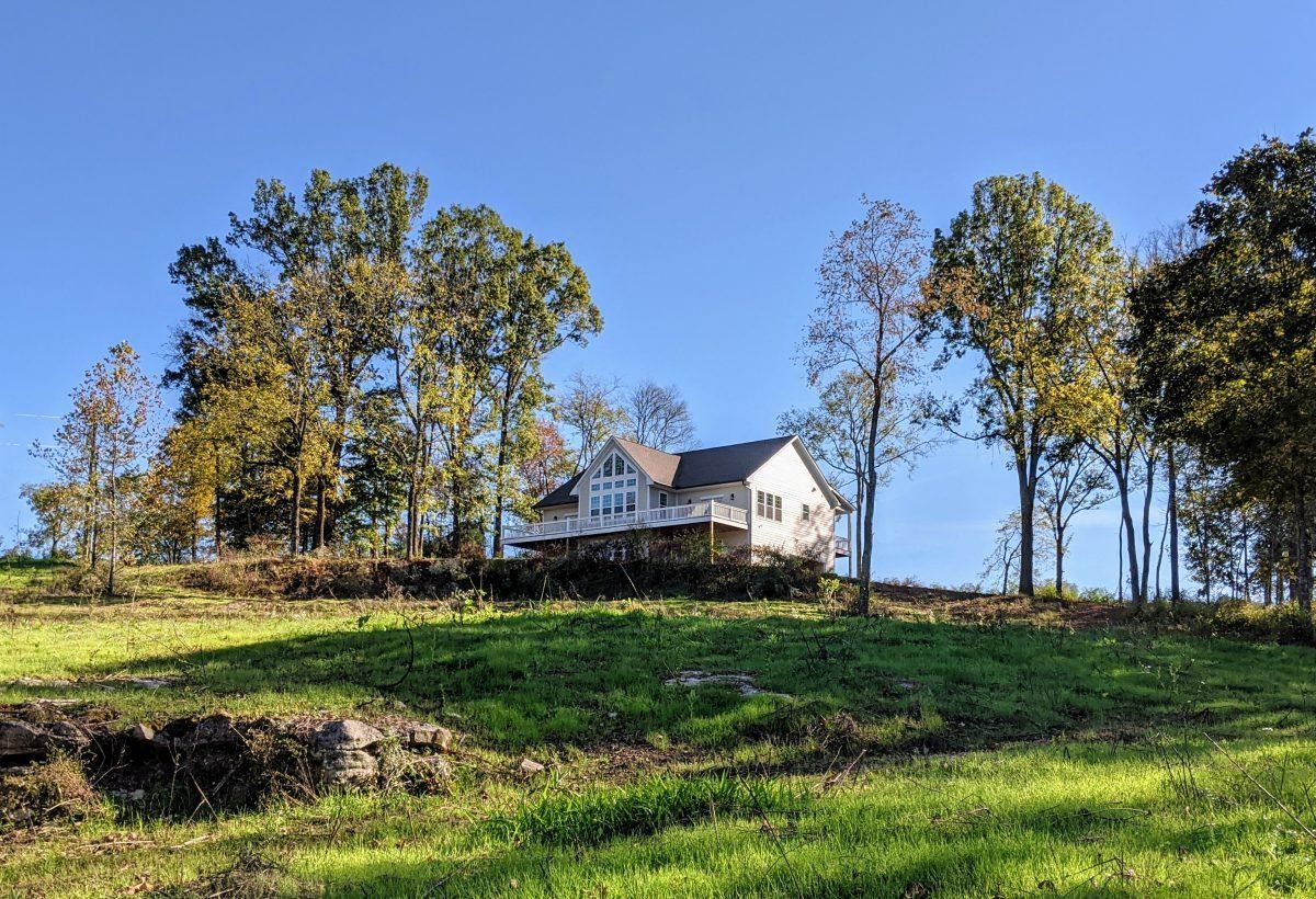 2913 Carters Creek Station Rd Property Photo