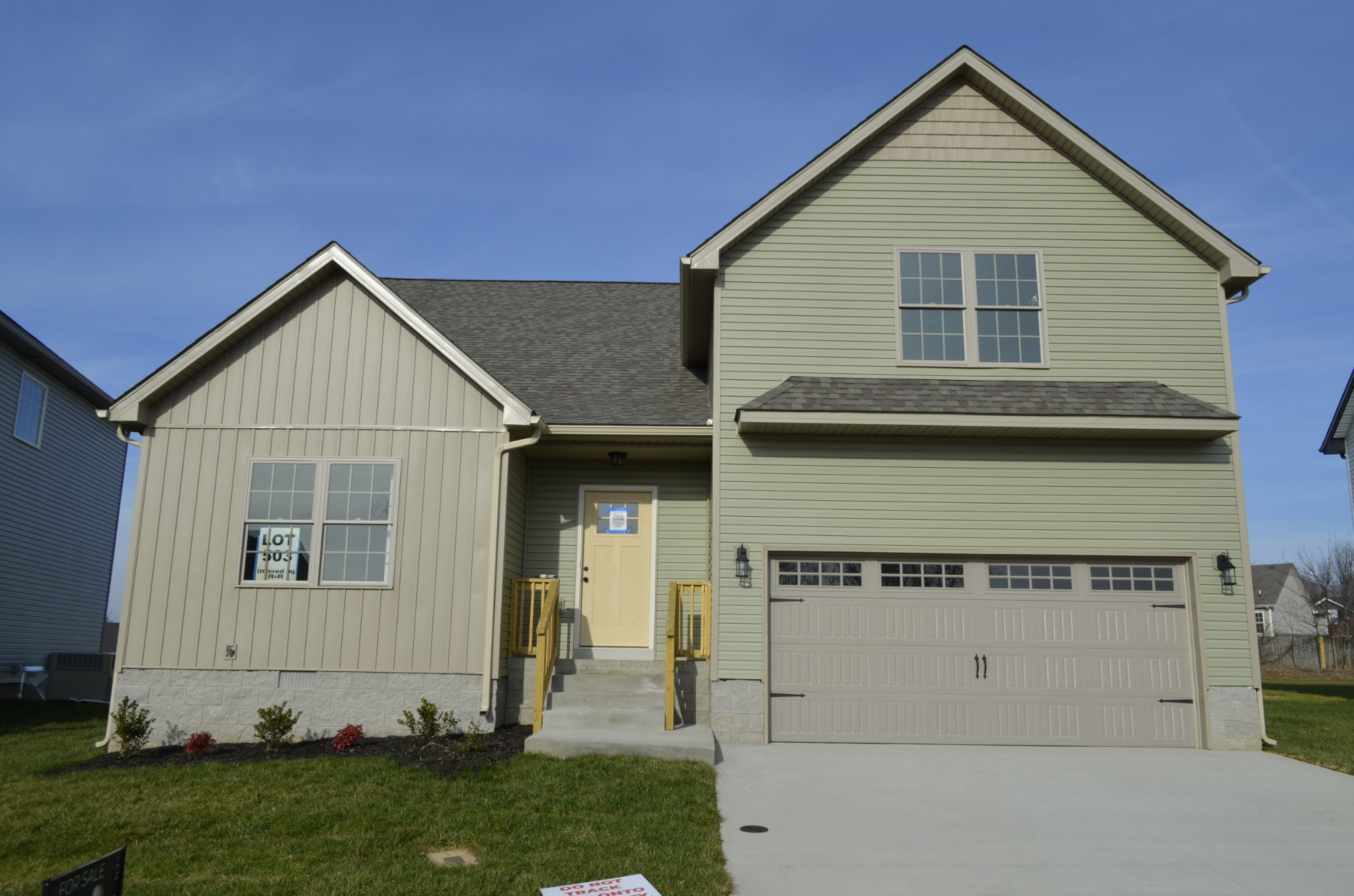 1073 Charles Thomas Dr Property Photo - Clarksville, TN real estate listing