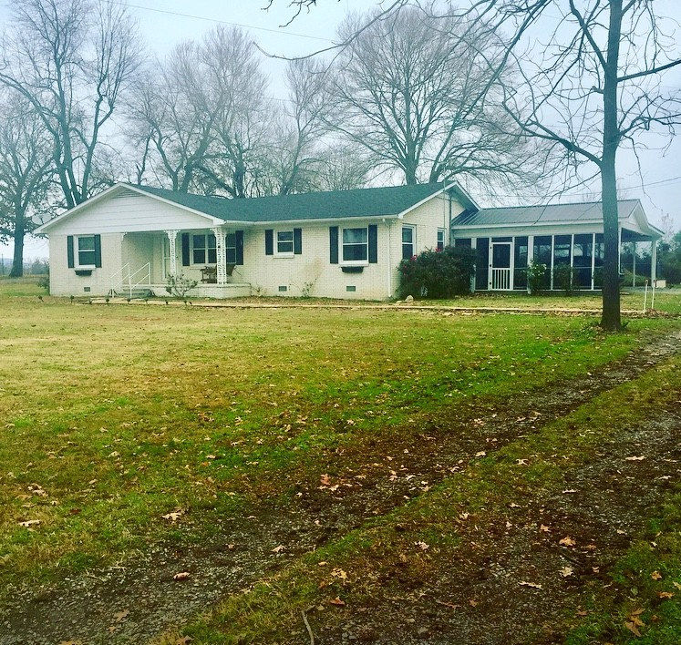 1973 Old McMinnville Hwy Property Photo - Woodbury, TN real estate listing