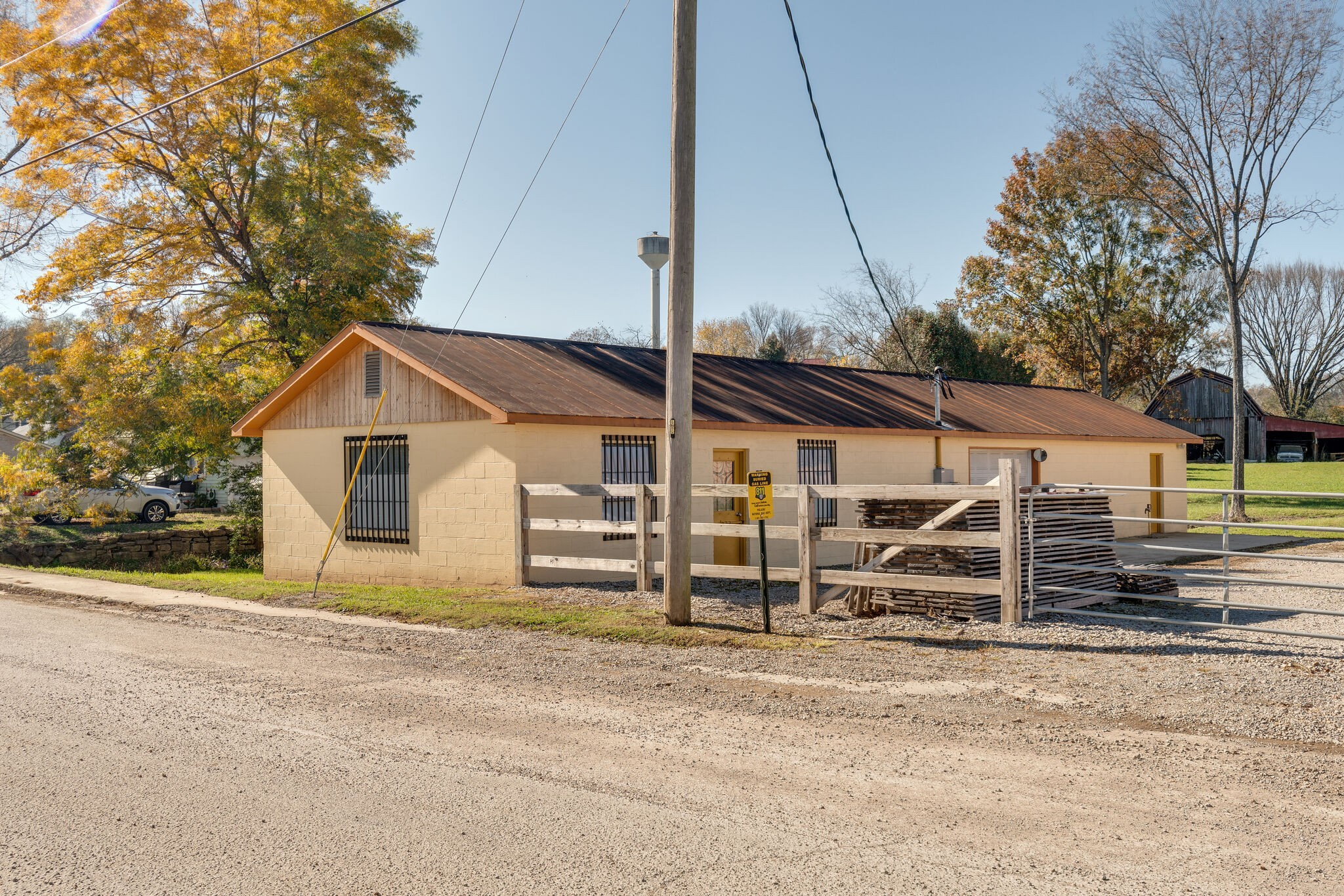 241 Mill St Property Photo - Lynnville, TN real estate listing