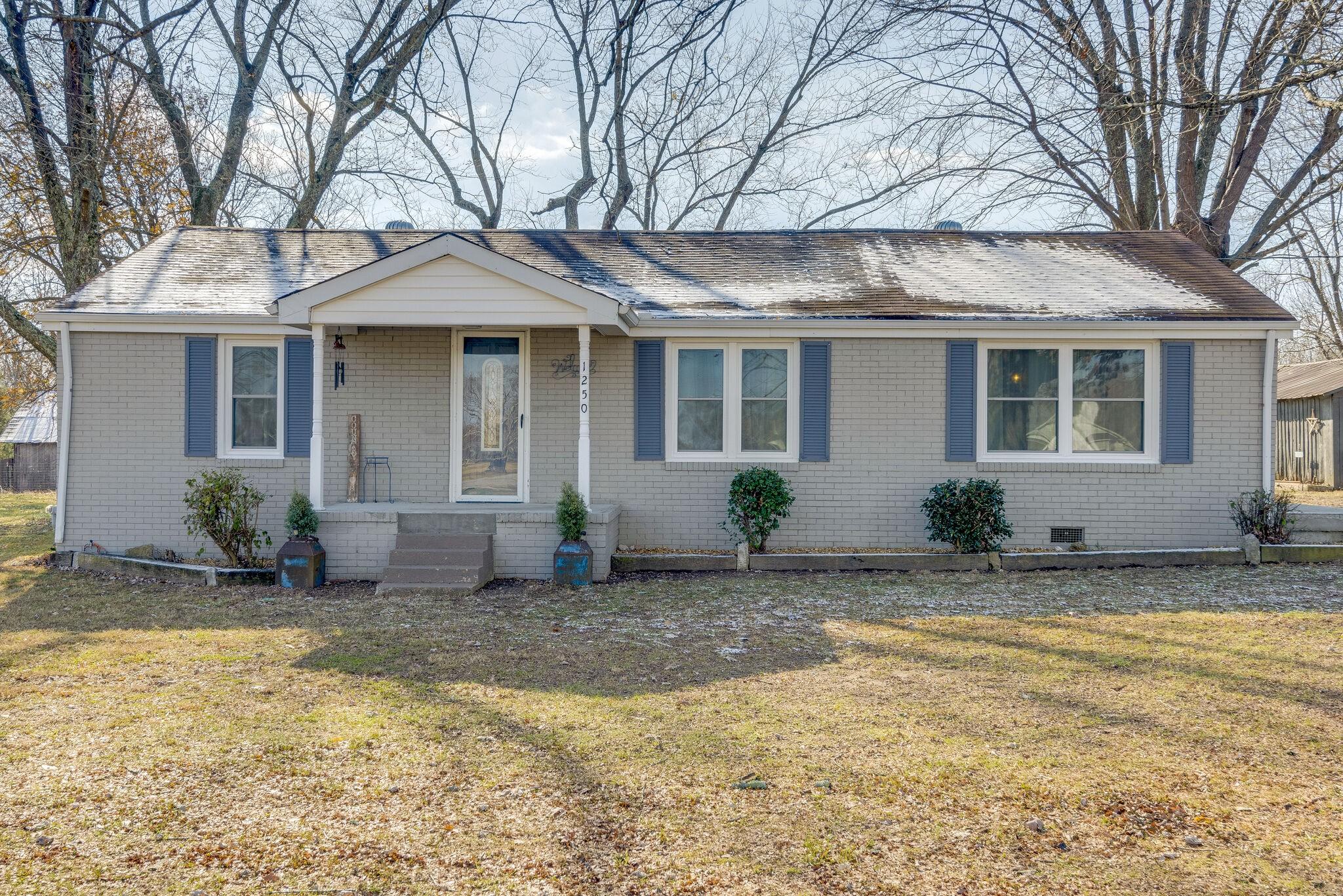 1250 Abiff Rd Property Photo - Bon Aqua, TN real estate listing