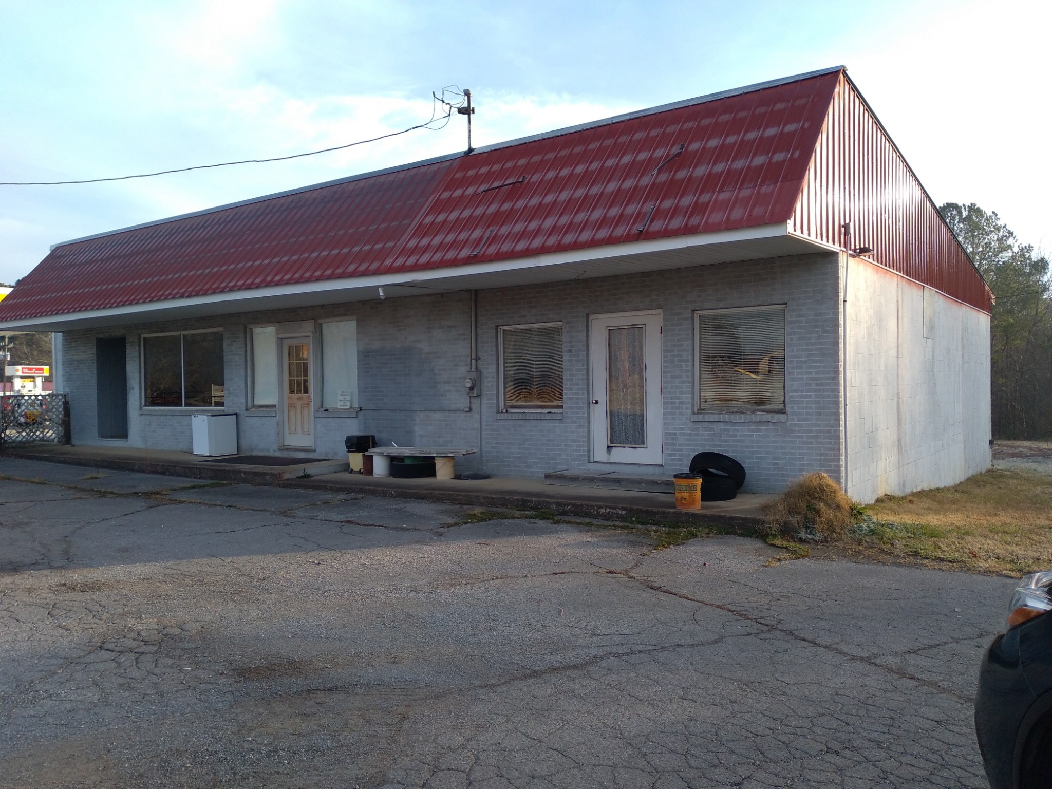 1300 Highway 100 Property Photo