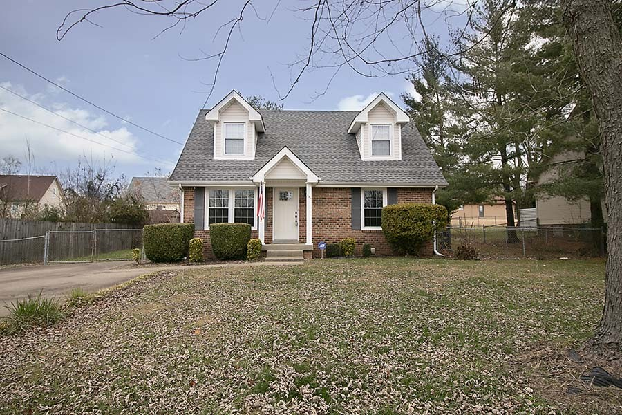 427 Helton Drive Property Photo - Clarksville, TN real estate listing