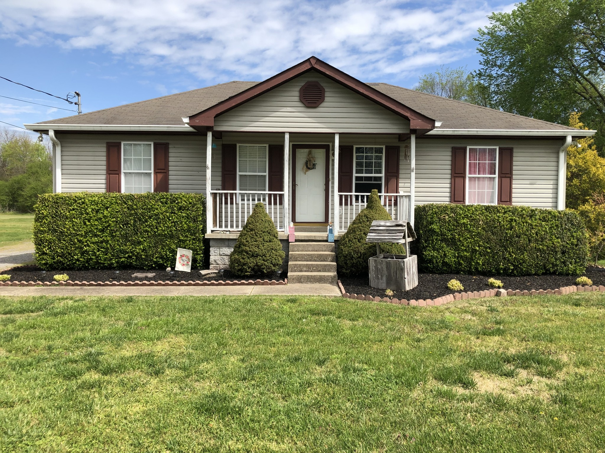 404 Locust St Property Photo - Alexandria, TN real estate listing