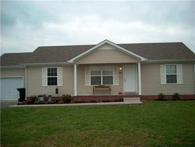 1912 Brockway Dr Property Photo - Murfreesboro, TN real estate listing
