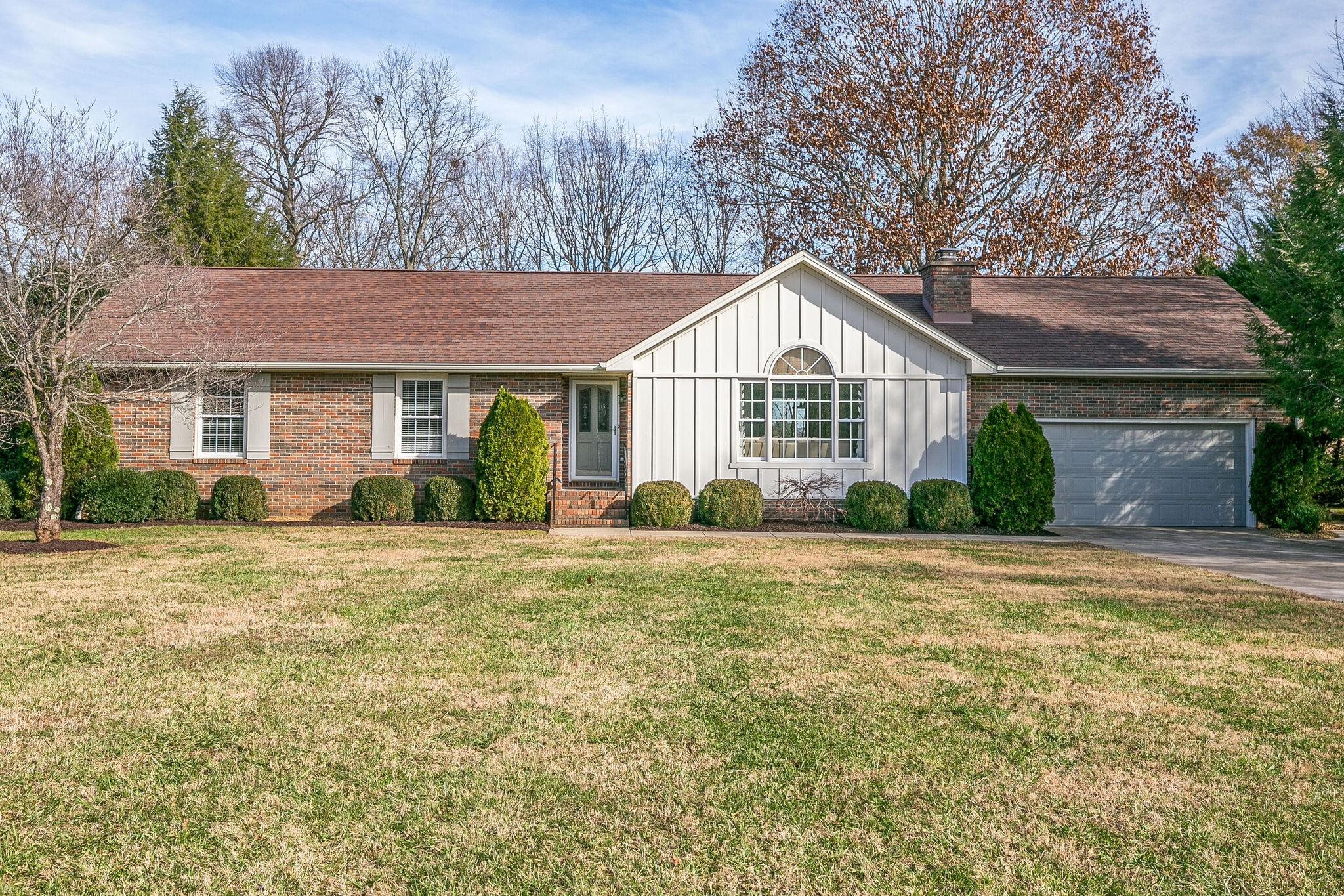 393 Waters Edge Dr Property Photo - Estill Springs, TN real estate listing
