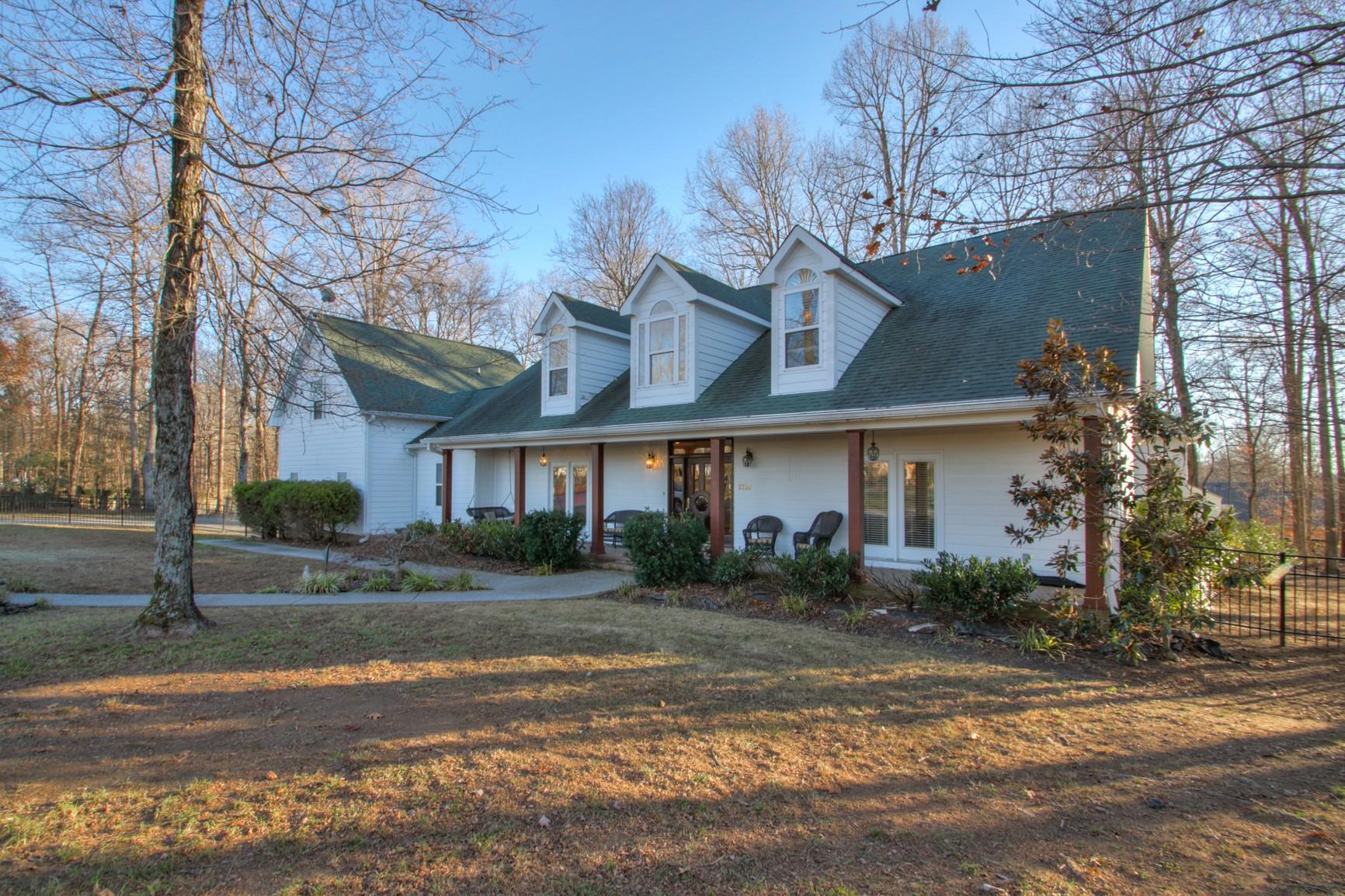 1320 Camp Ravine Rd Property Photo - Burns, TN real estate listing