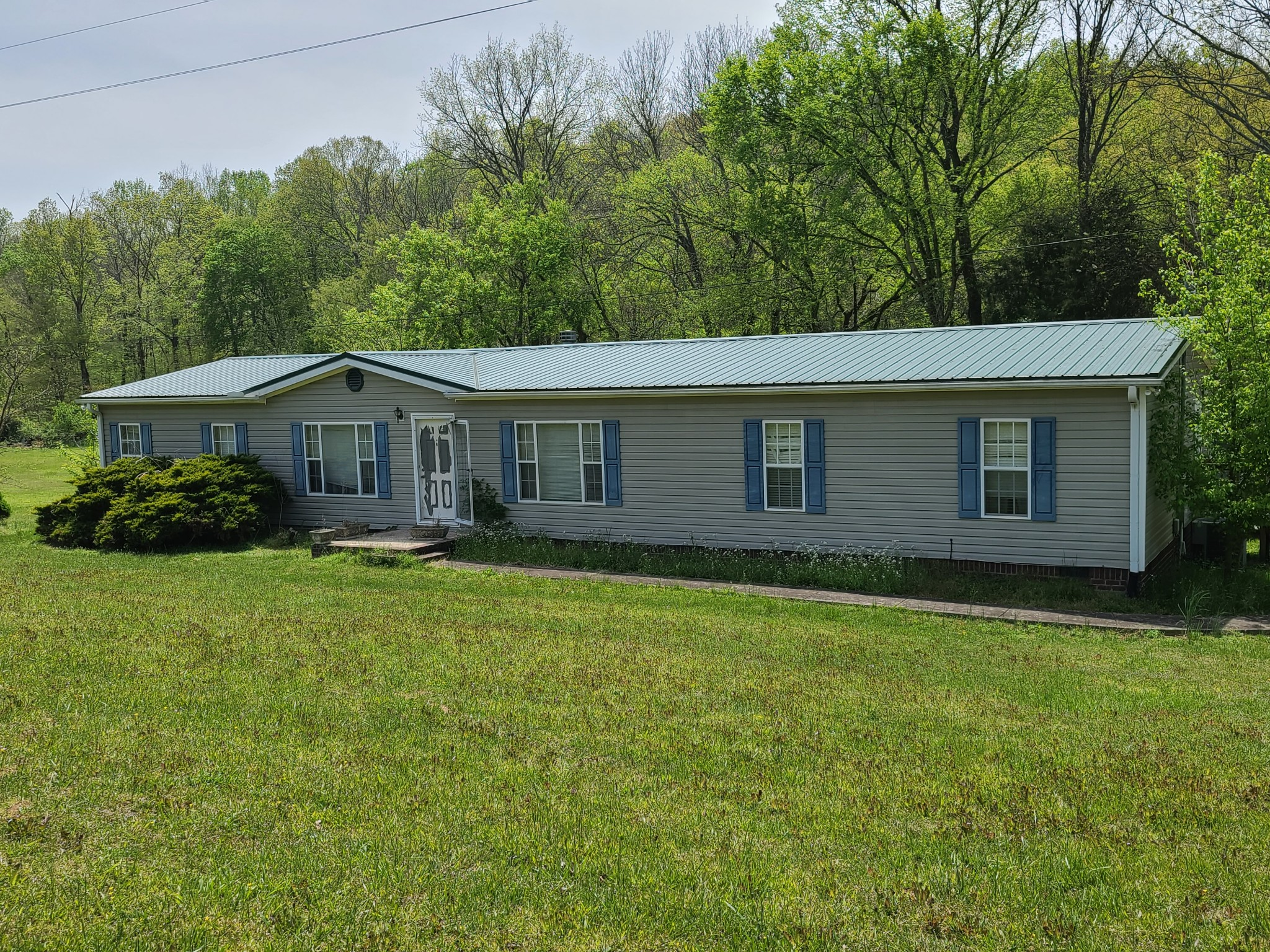 1765 Williamson Branch Road Property Photo - Vanleer, TN real estate listing