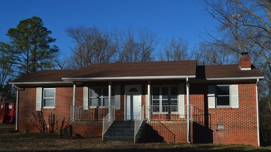214 Sycamore St N Property Photo - Cowan, TN real estate listing