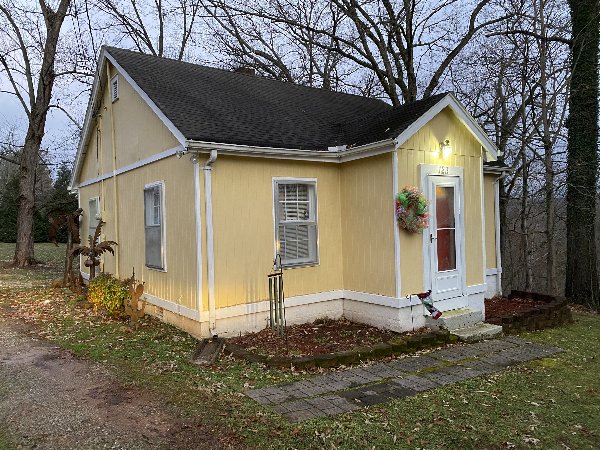123 Ruby St Property Photo - Mc Minnville, TN real estate listing